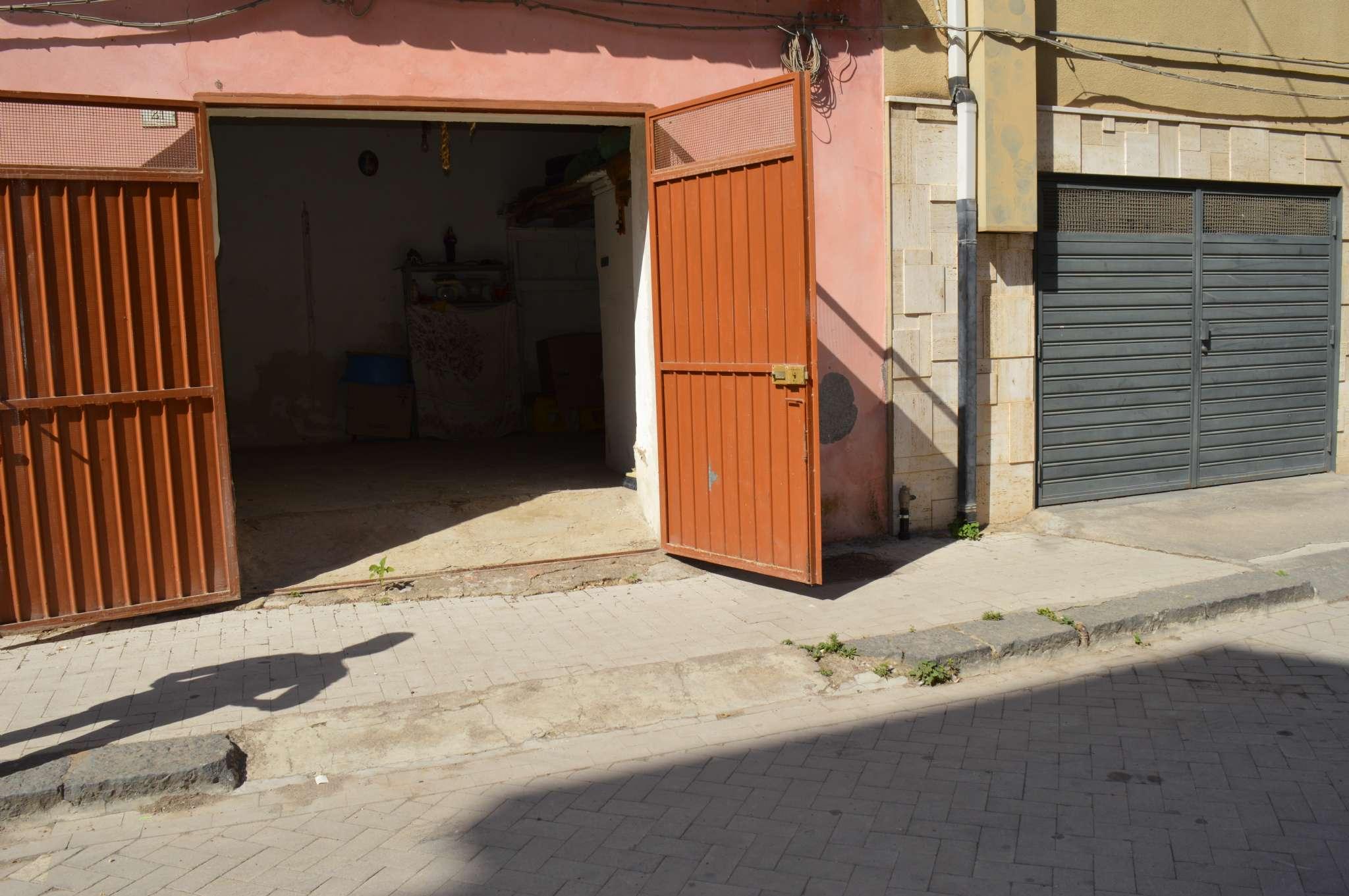 Box e posti auto in buone condizioni in vendita Rif. 7257475