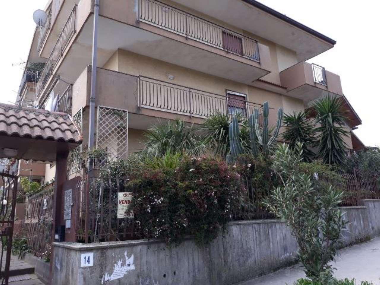 Appartamento in ottime condizioni arredato in vendita Rif. 6743342