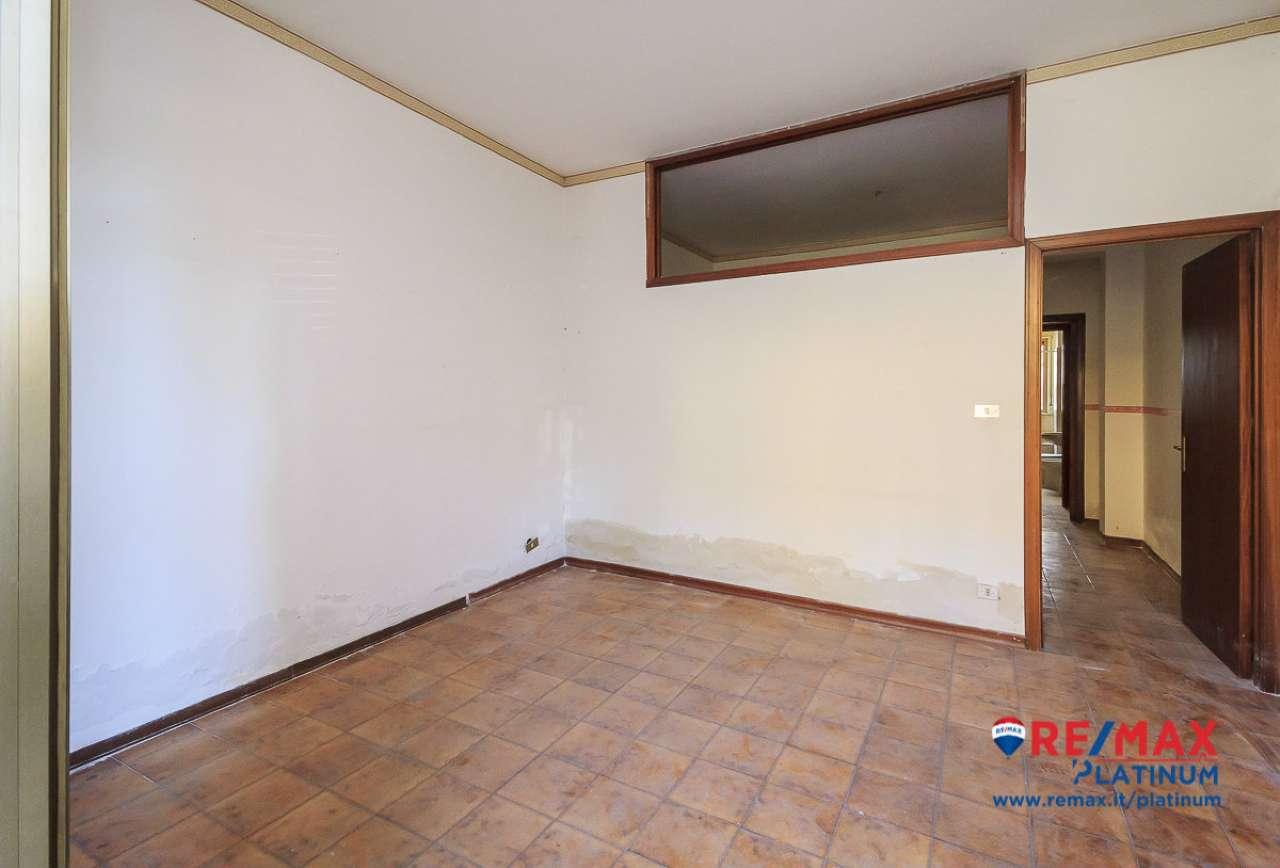 Appartamento da ristrutturare in vendita Rif. 7476391