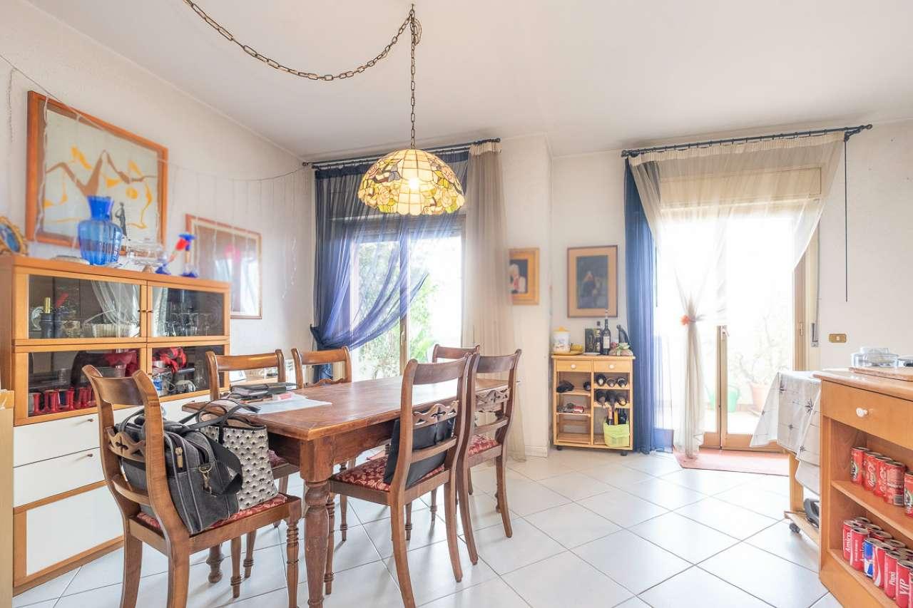 Appartamento in buone condizioni parzialmente arredato in vendita Rif. 7530288