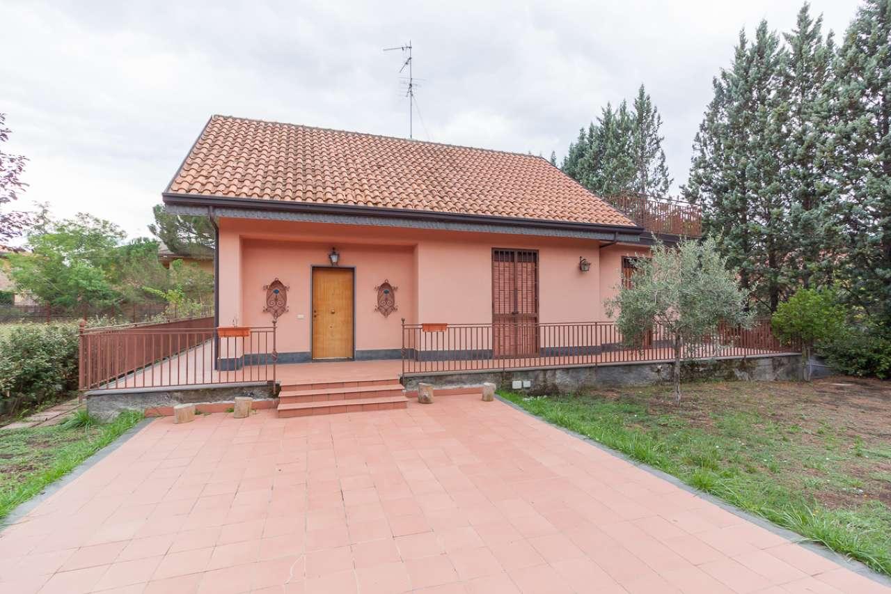 Villa ristrutturato in vendita Rif. 8402825