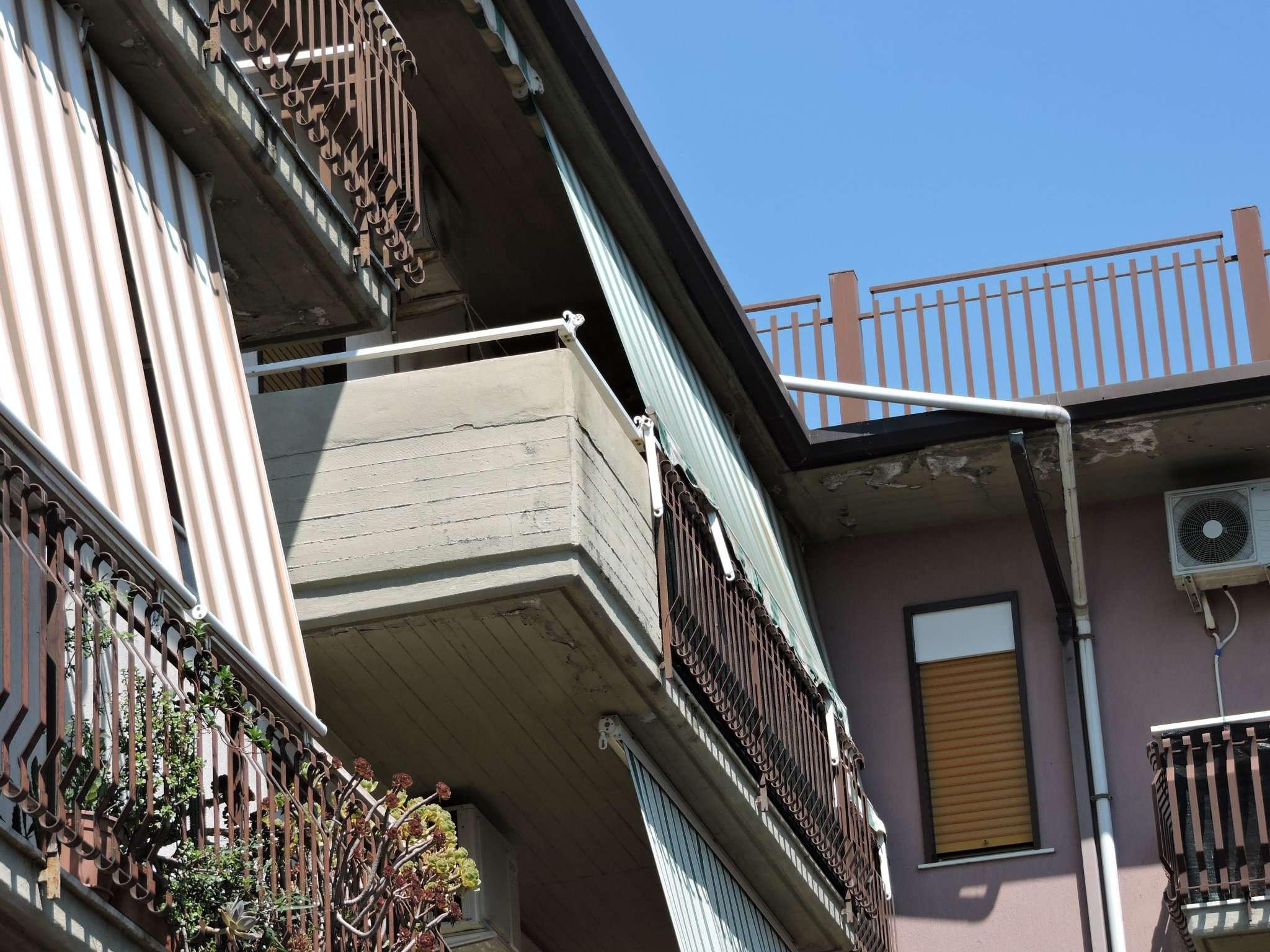 Appartamento in buone condizioni in vendita Rif. 8402827