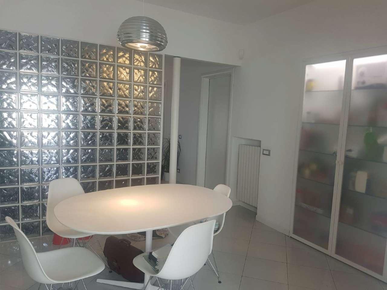 Appartamento in ottime condizioni arredato in vendita Rif. 8022820
