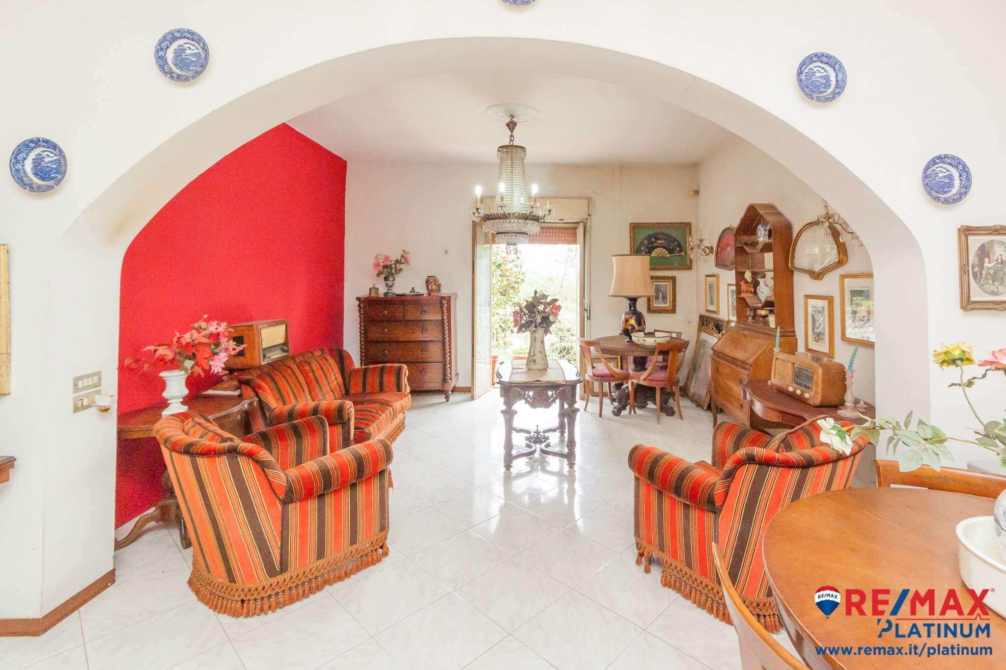 Appartamento da ristrutturare in vendita Rif. 8260196