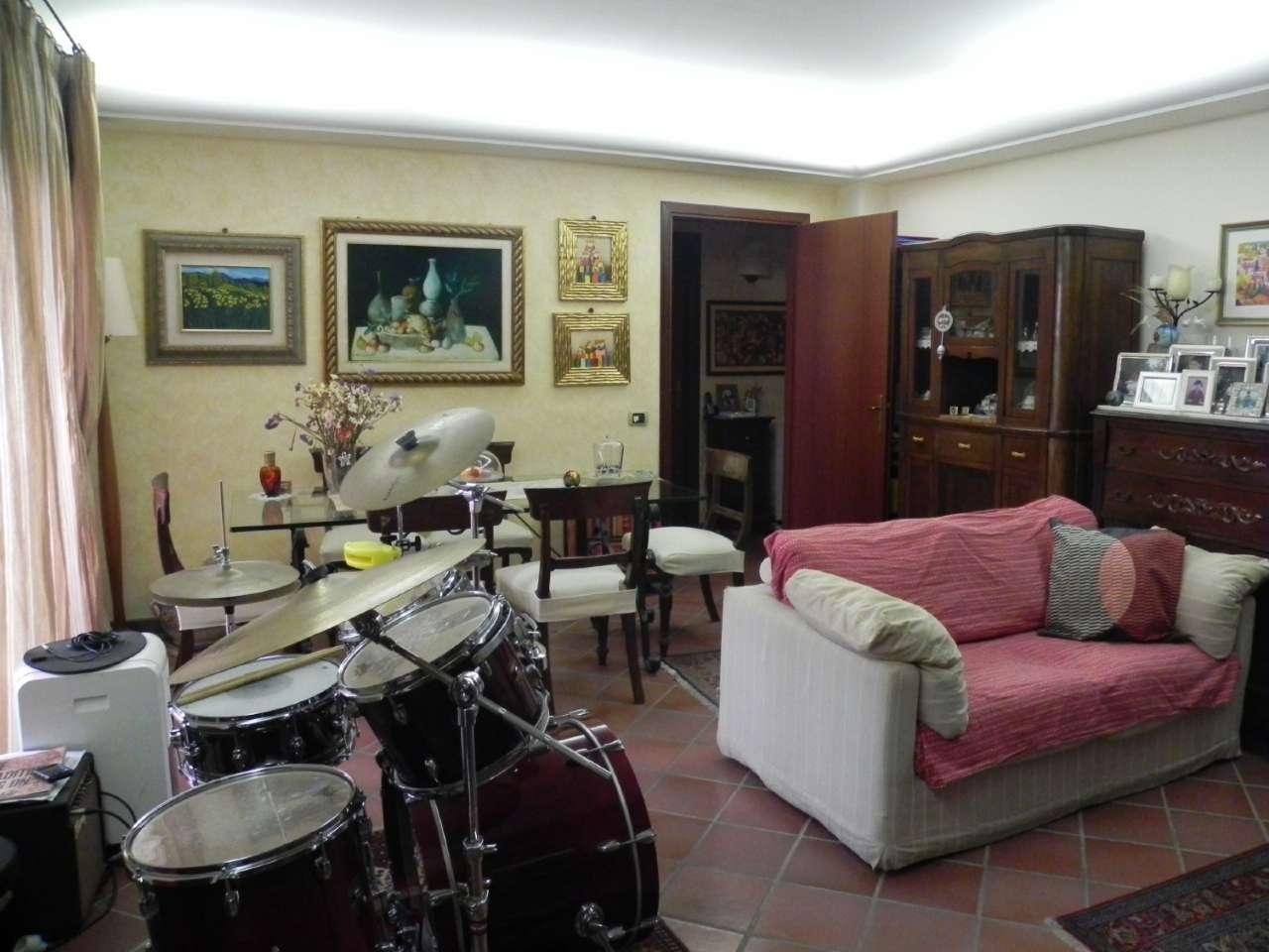 Appartamento arredato in vendita Rif. 8114269