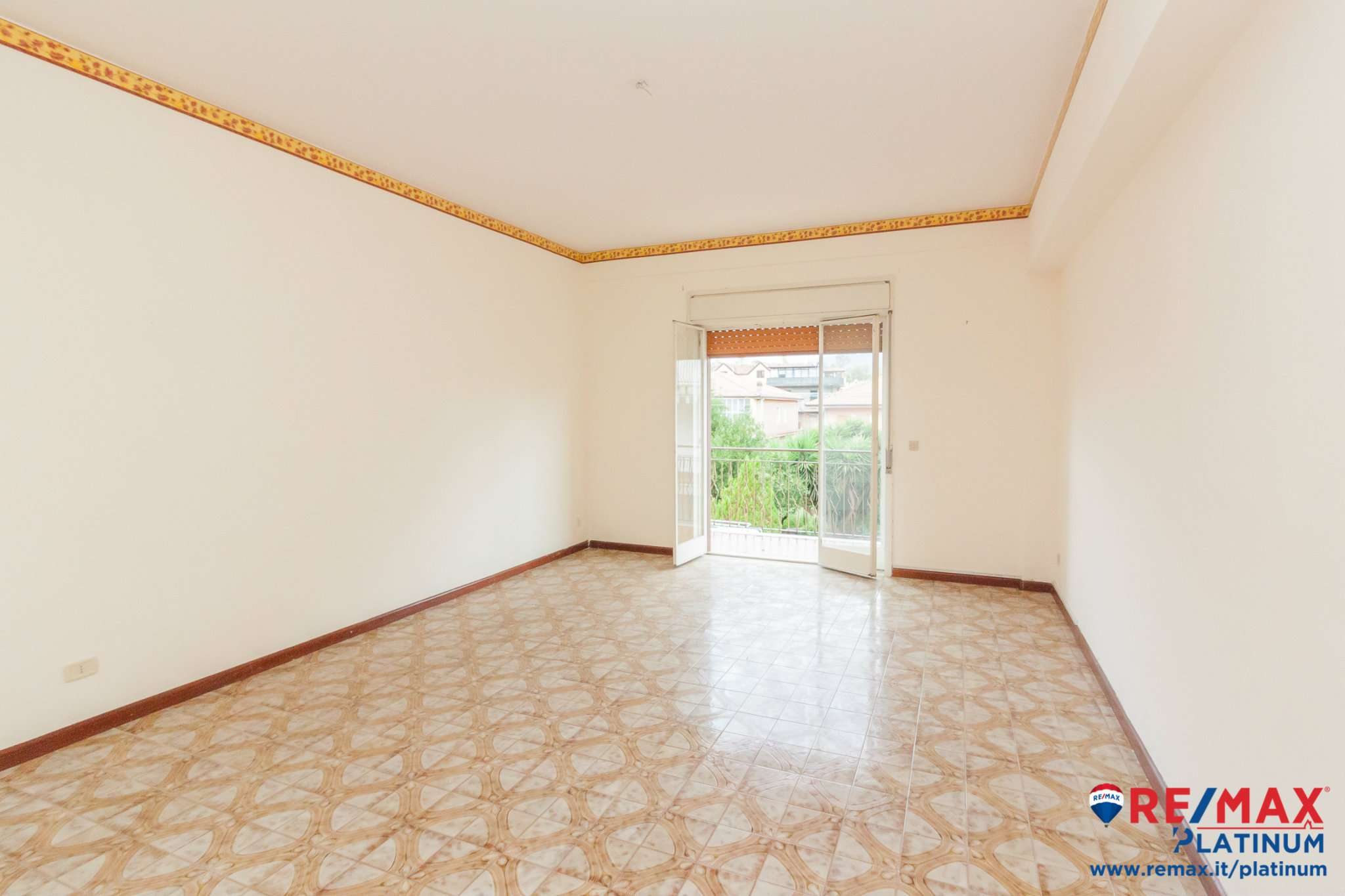 Appartamento in buone condizioni in vendita Rif. 8162193