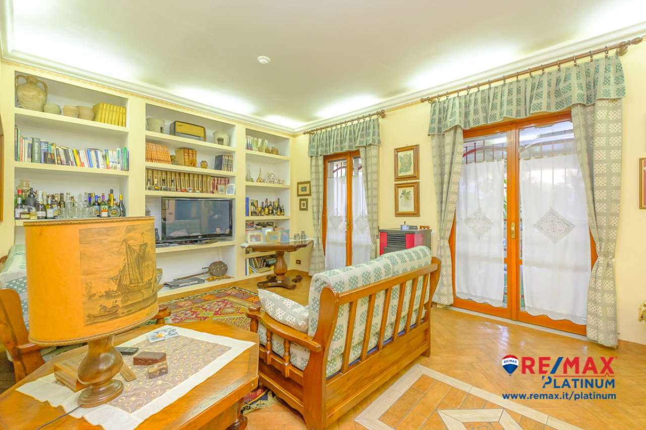 Appartamento ristrutturato in vendita Rif. 8273889