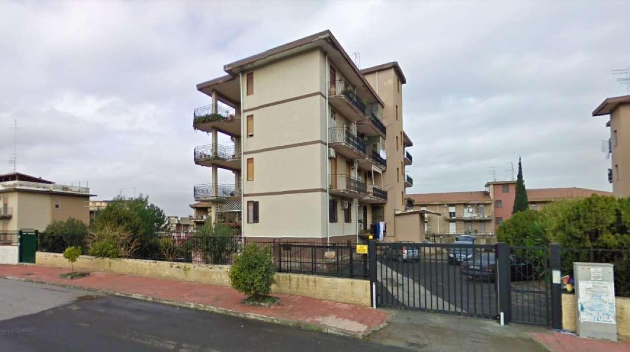 Appartamento da ristrutturare in vendita Rif. 8260204