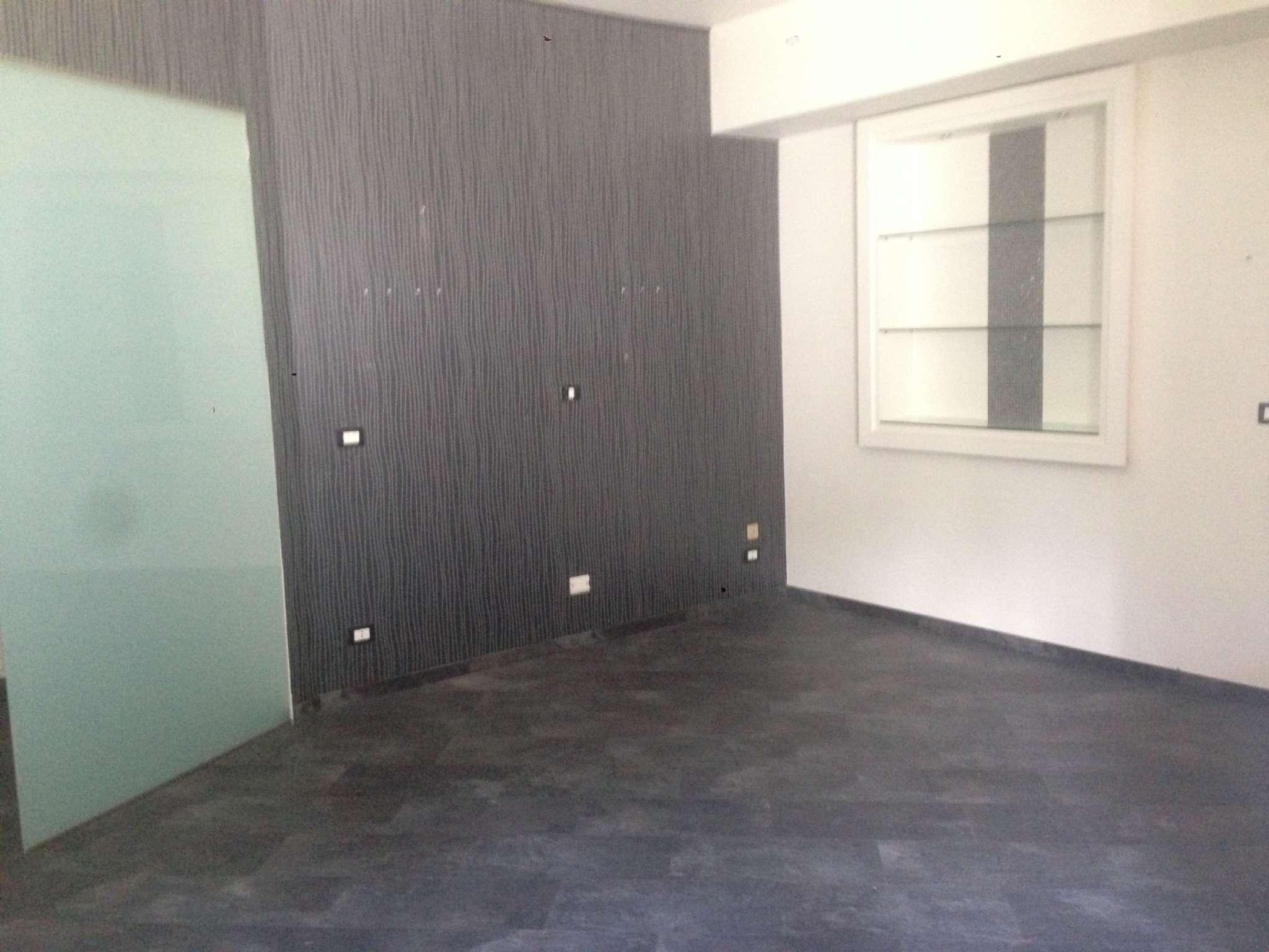 Appartamento in buone condizioni in vendita Rif. 8289335