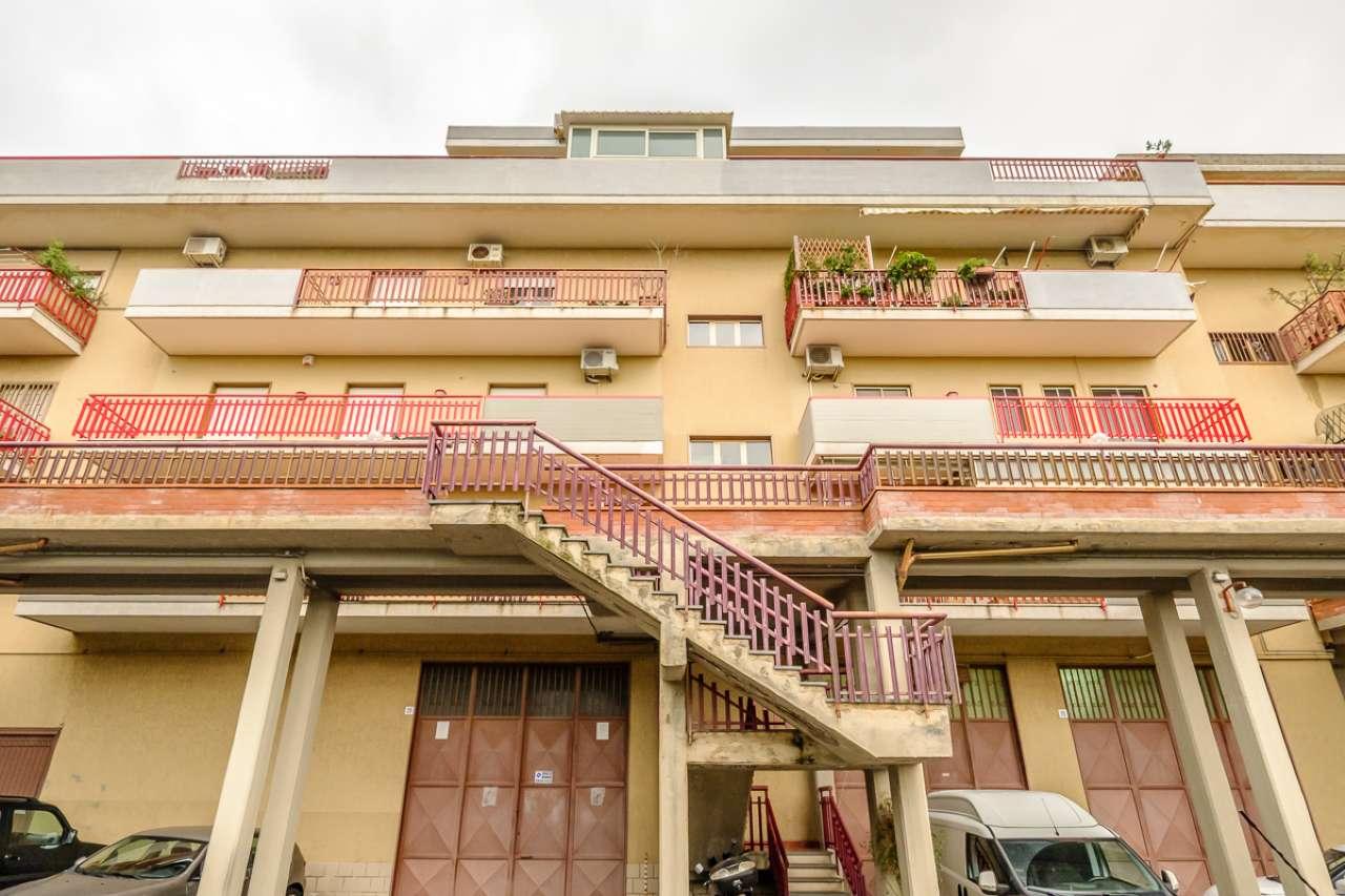 Appartamento ristrutturato in affitto Rif. 6817422