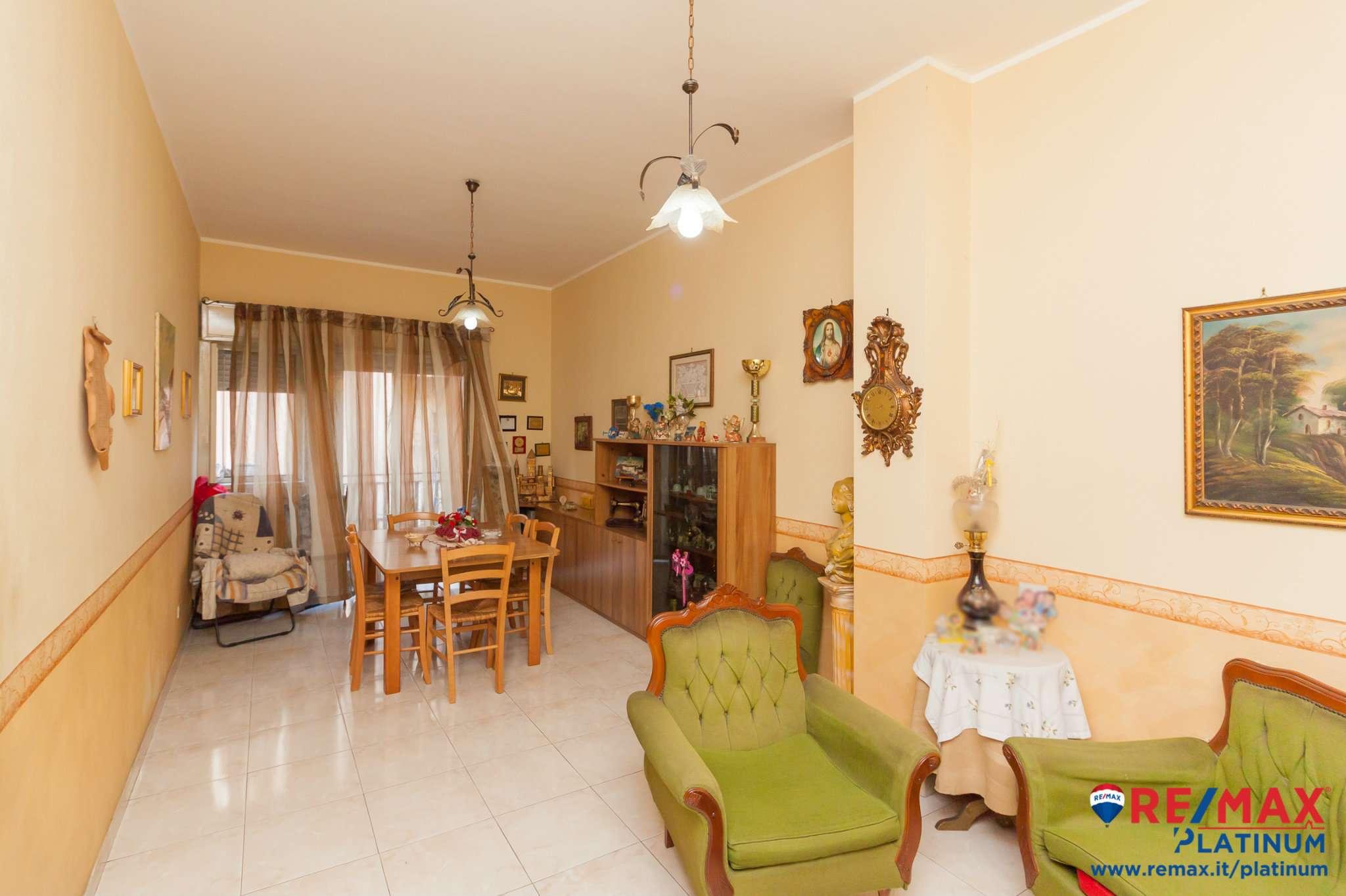 Appartamento in condizioni mediocri in vendita Rif. 8496041
