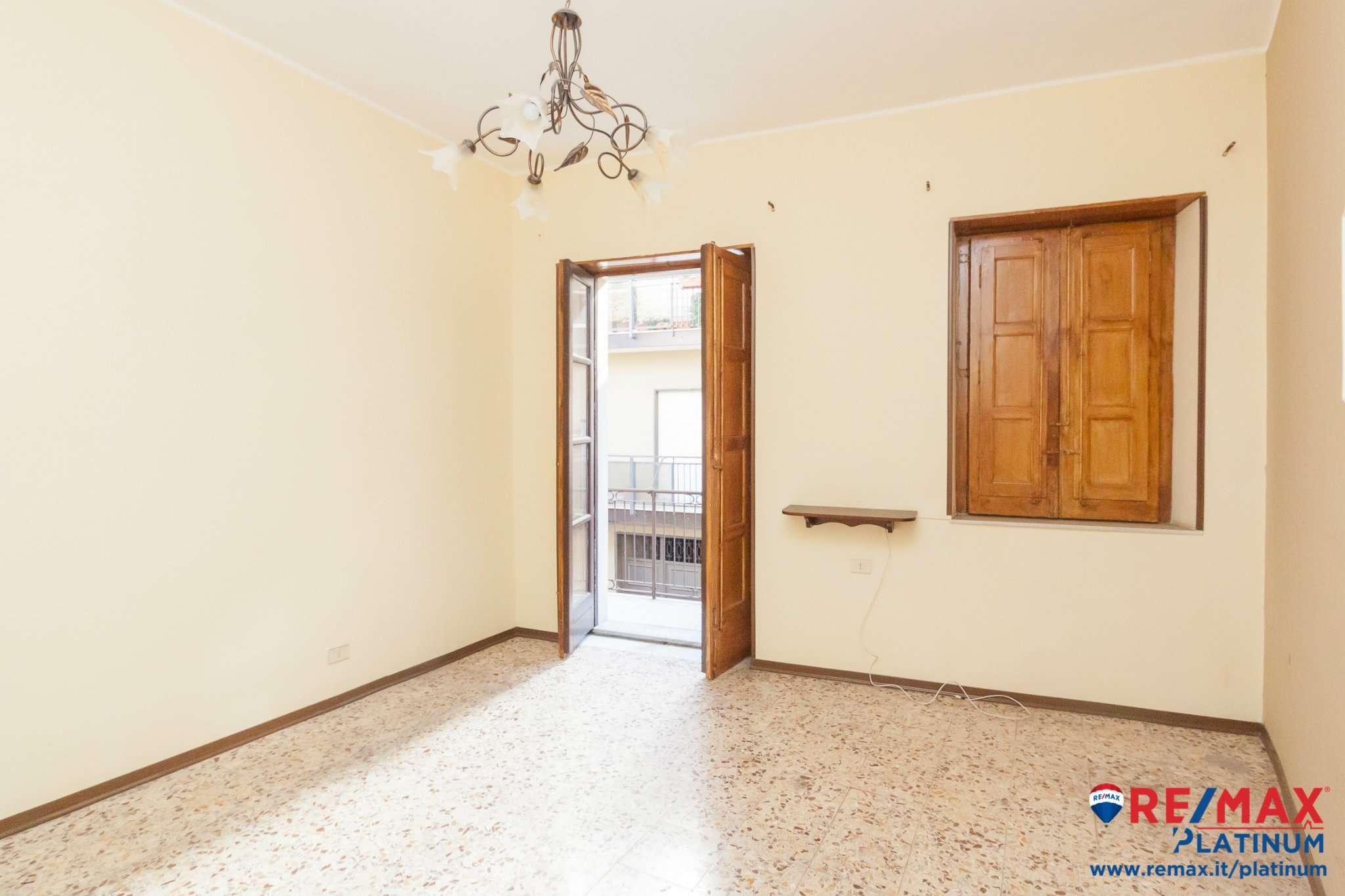 Appartamento da ristrutturare in vendita Rif. 8596896