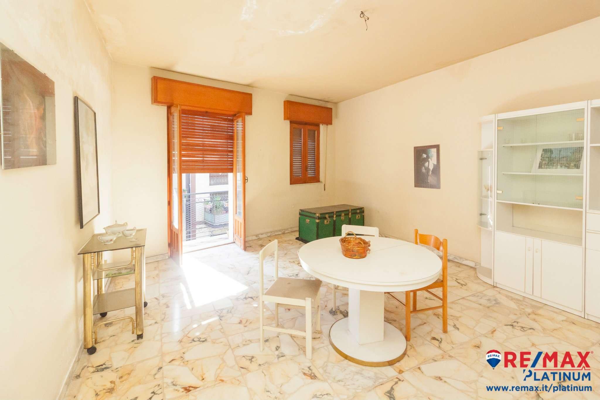 Appartamento da ristrutturare in vendita Rif. 8612099