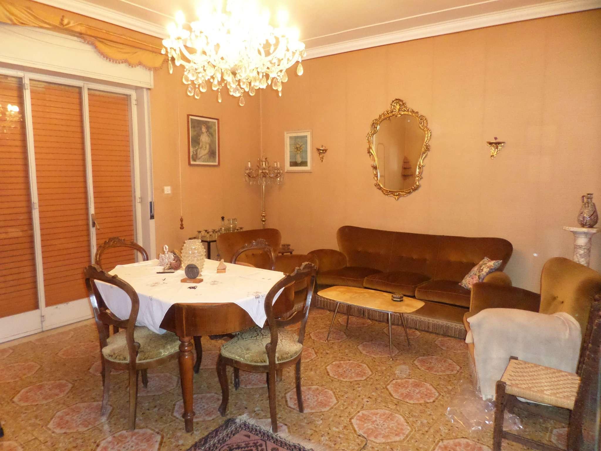 Appartamento in vendita a Mascalucia, 5 locali, prezzo € 90.000 | CambioCasa.it