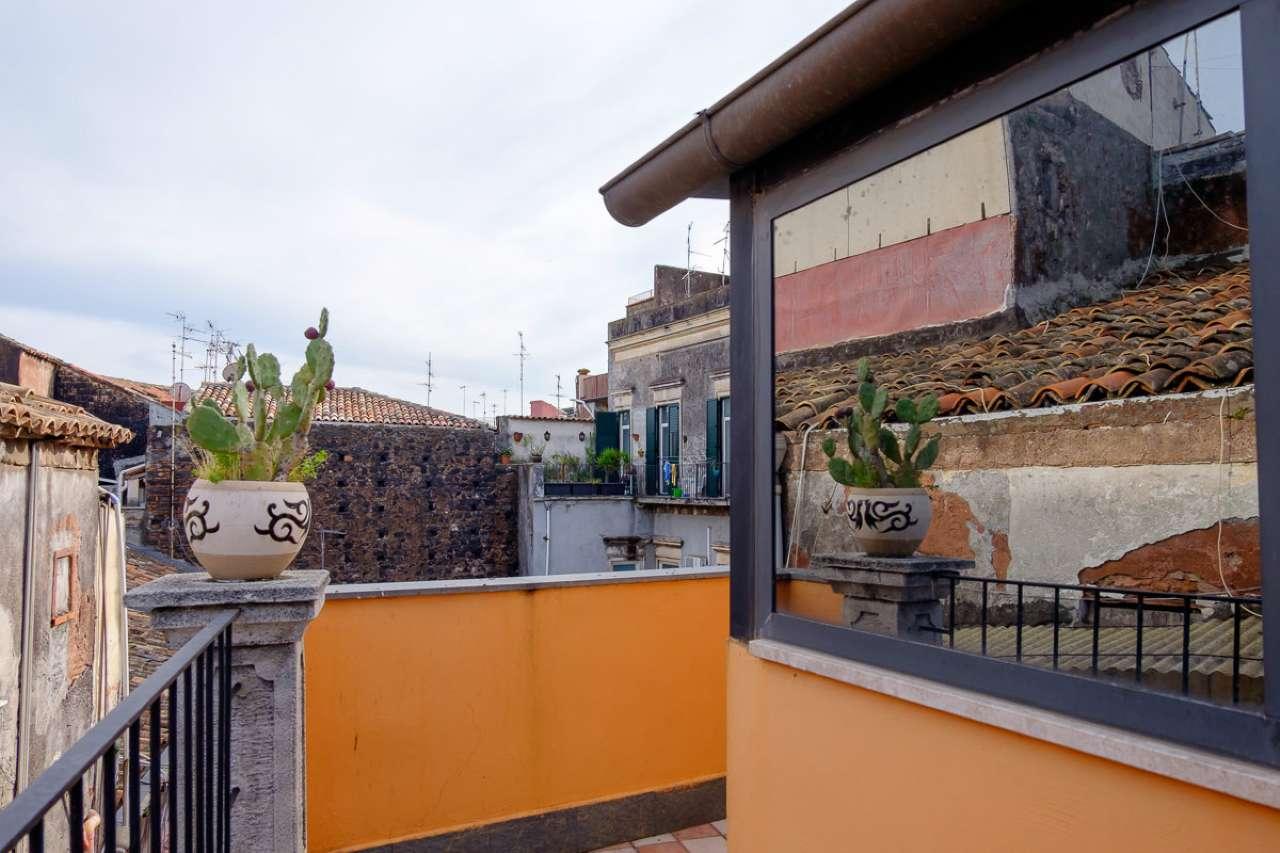 Appartamento ristrutturato parzialmente arredato in affitto Rif. 8913763