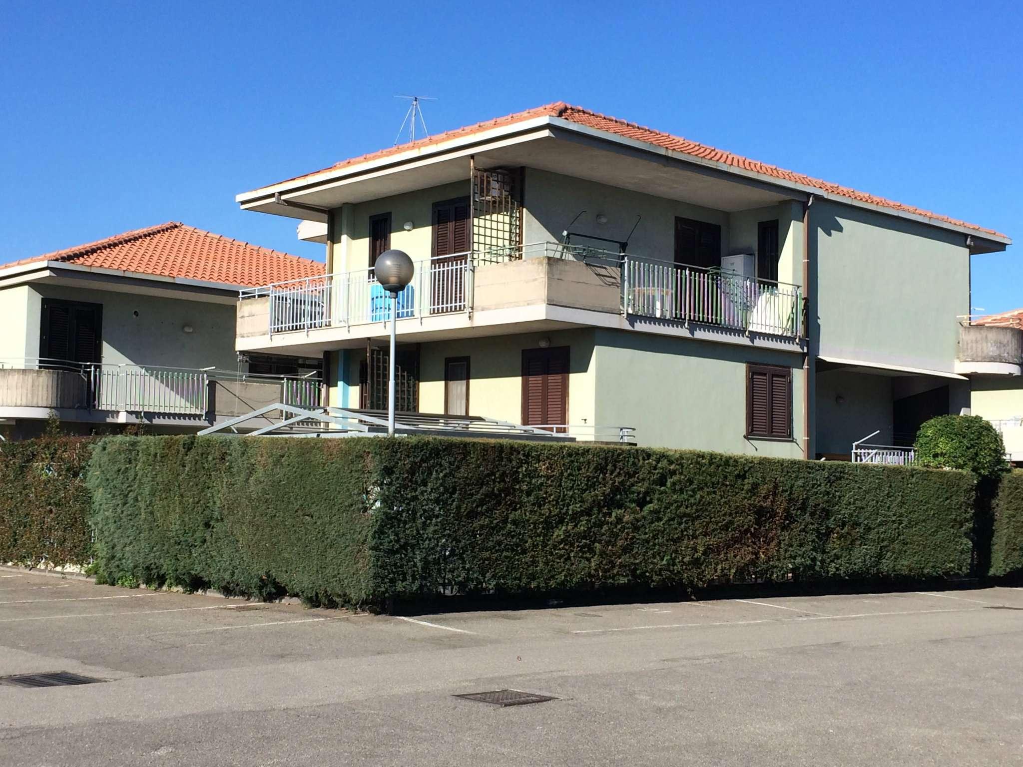 Appartamento in buone condizioni arredato in vendita Rif. 8913766