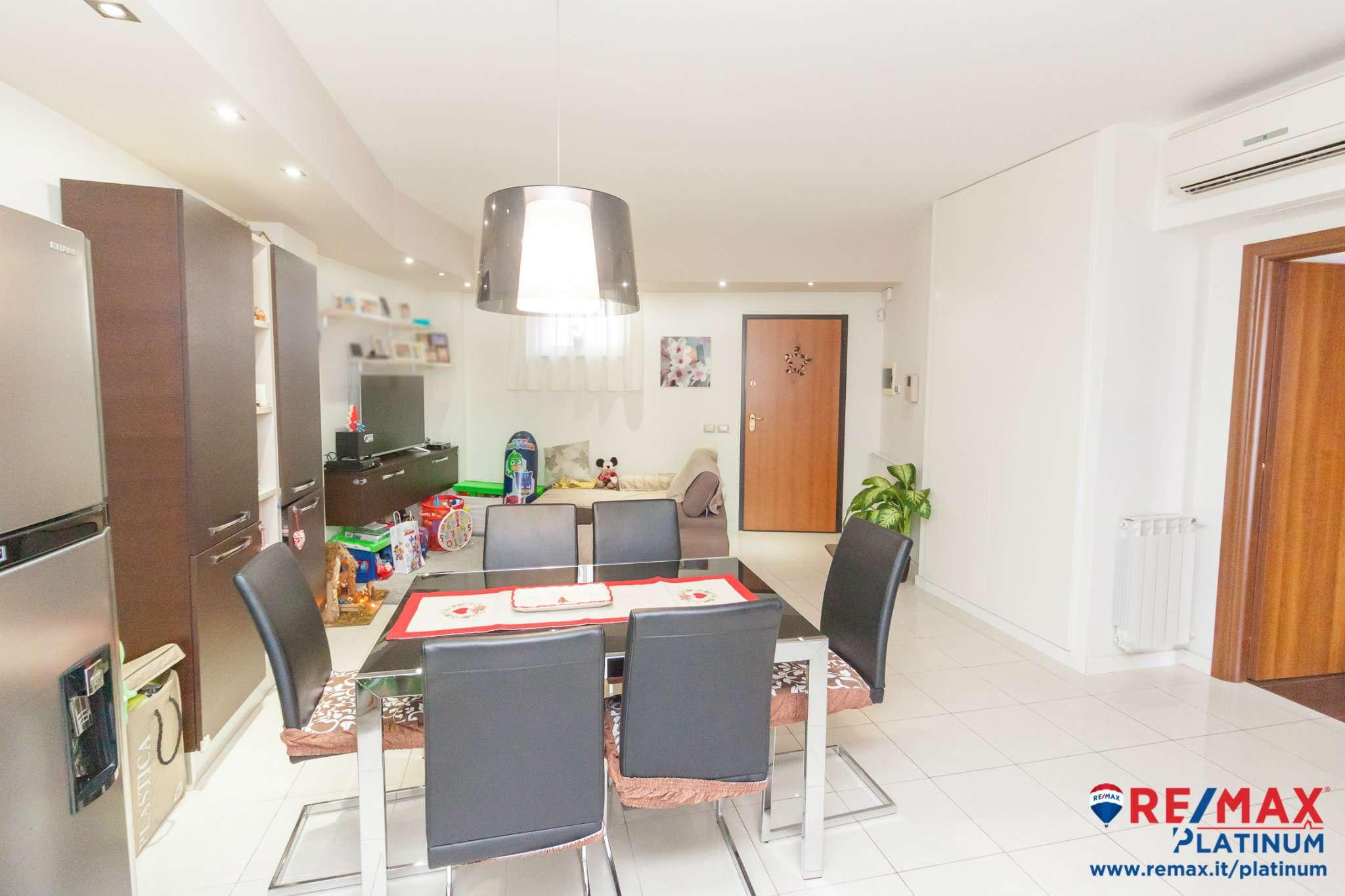 Appartamento parzialmente arredato in vendita Rif. 9127863