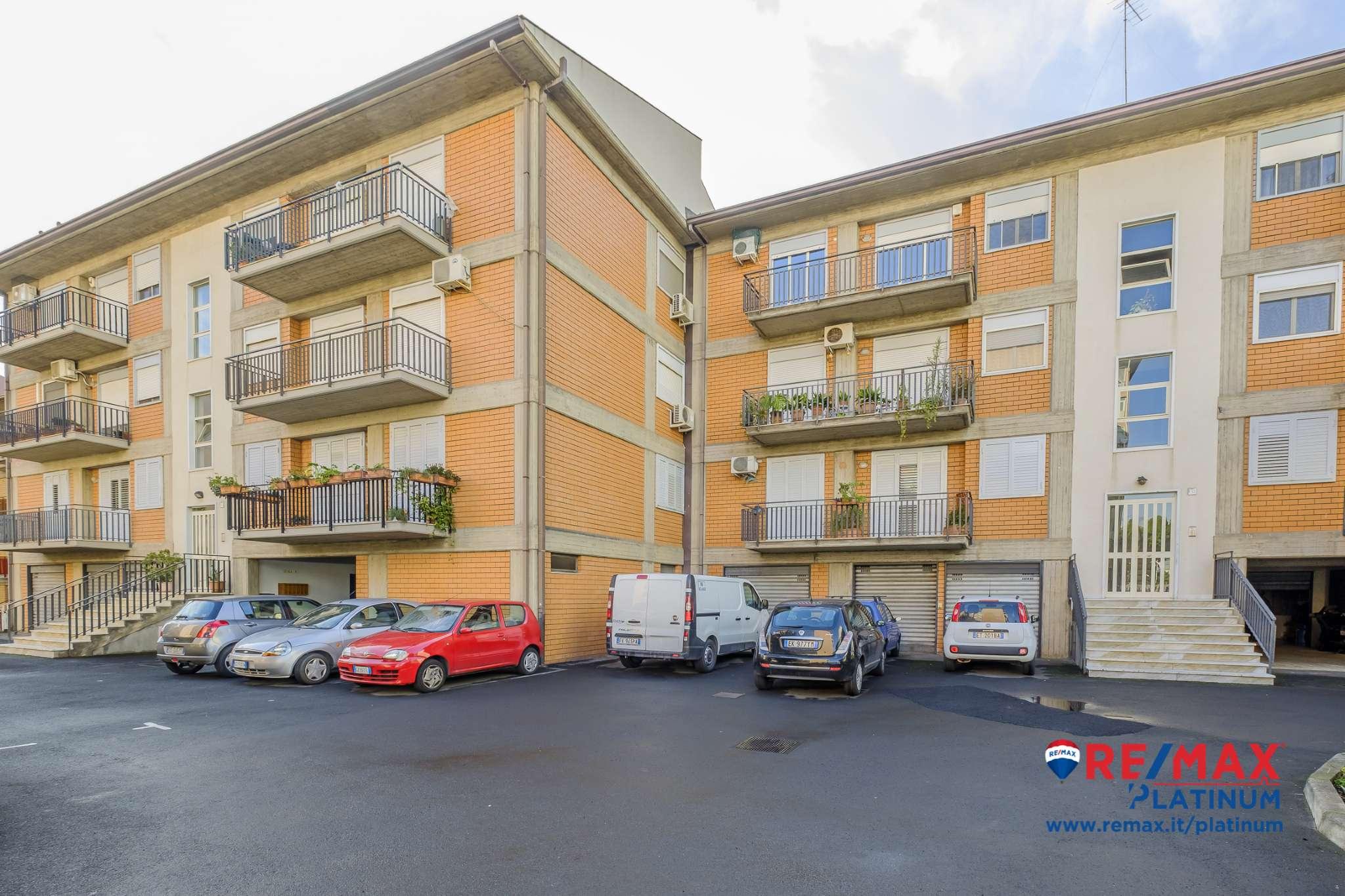 Appartamento in ottime condizioni in vendita Rif. 9350596