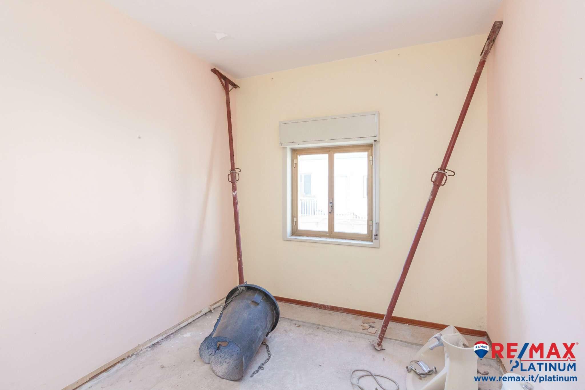 Appartamento da ristrutturare in vendita Rif. 9365776