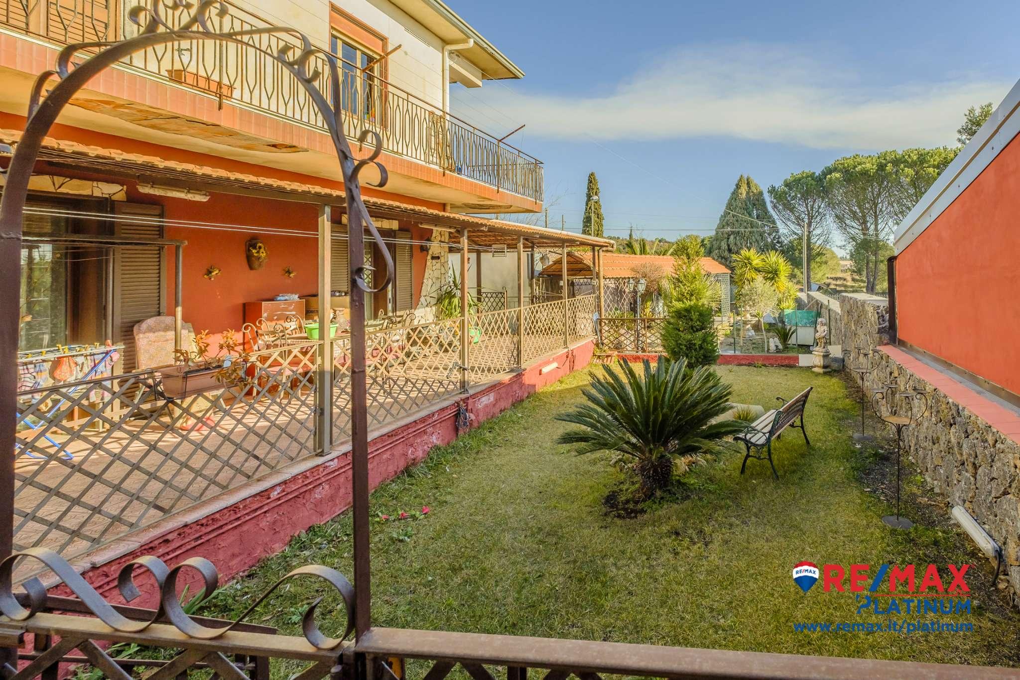 Villa in ottime condizioni arredato in vendita Rif. 9381543
