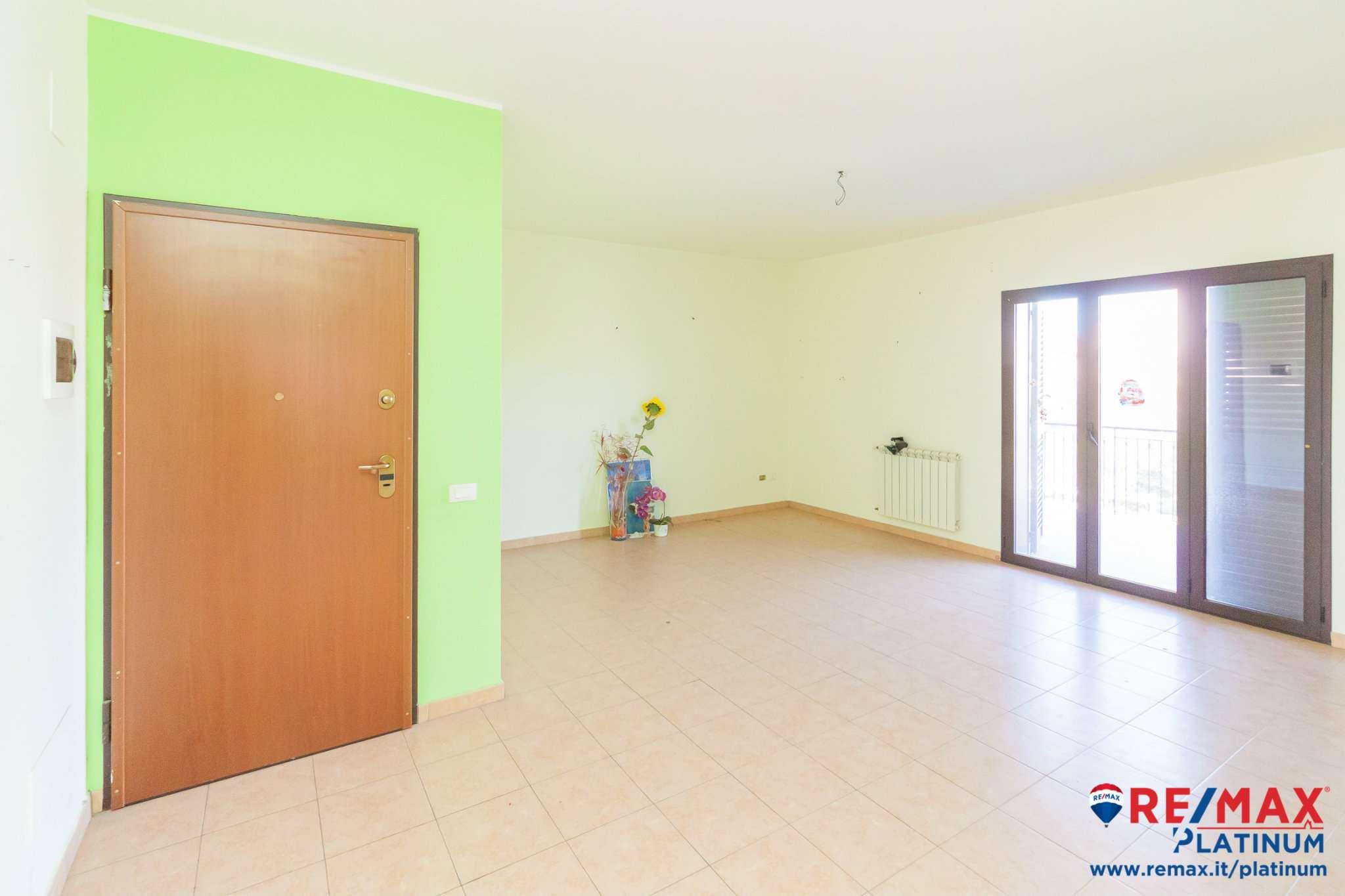 Appartamento in buone condizioni in vendita Rif. 9438647