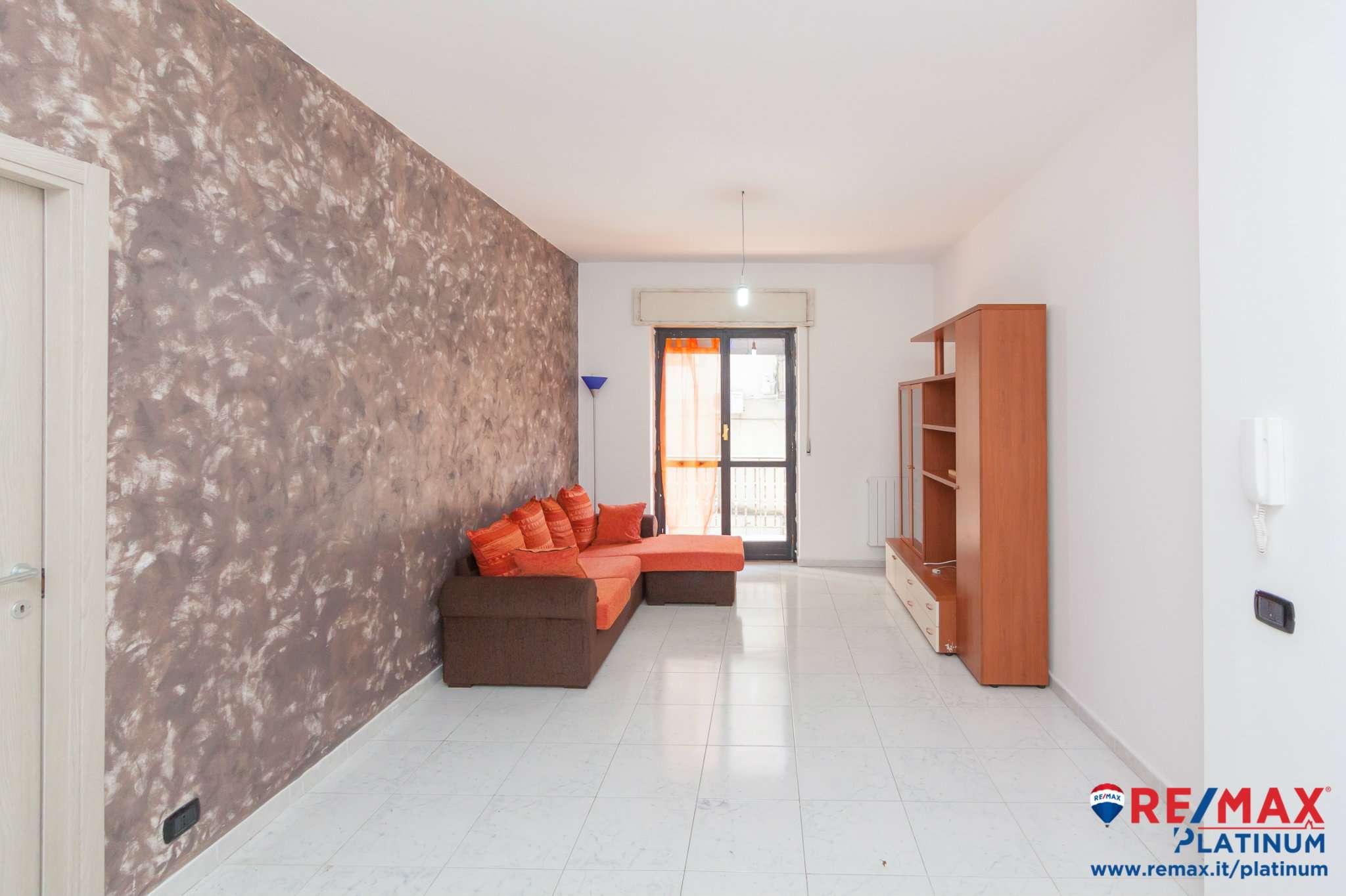 Appartamento ristrutturato parzialmente arredato in affitto Rif. 9488906