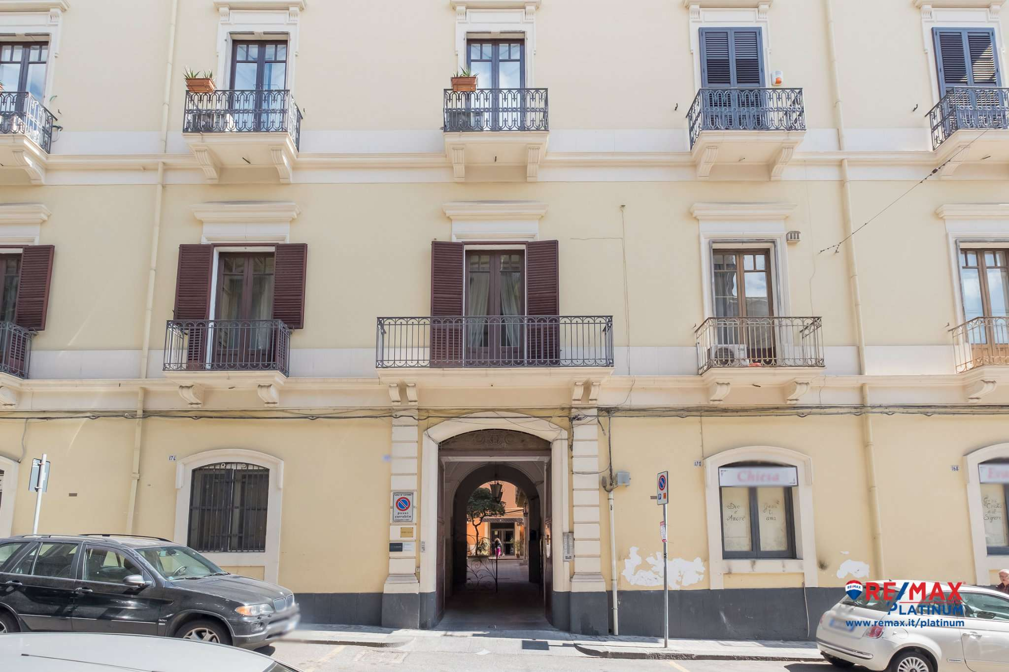 Appartamento in vendita a Catania, 6 locali, prezzo € 235.000   CambioCasa.it