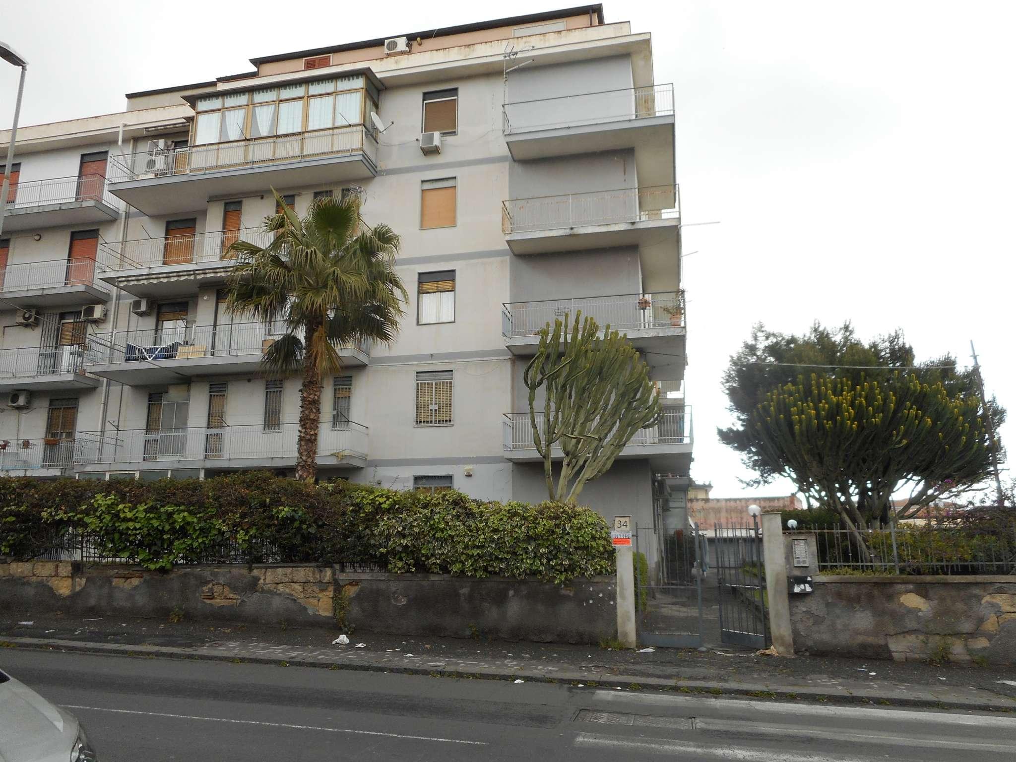Appartamento in vendita a Catania, 3 locali, prezzo € 100.000   CambioCasa.it
