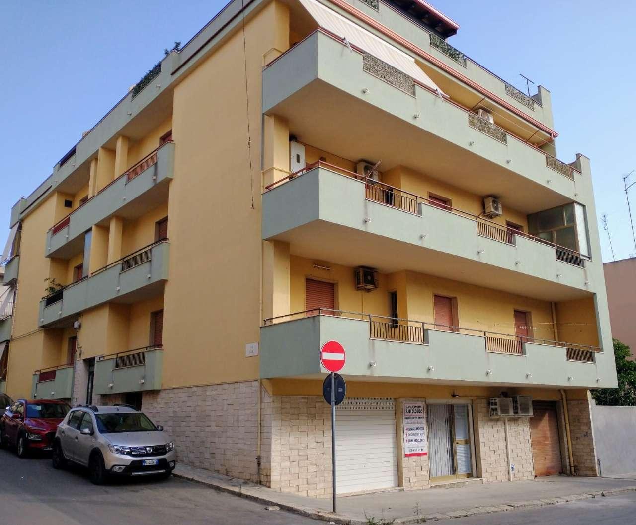 Appartamento in vendita a Pozzallo, 6 locali, prezzo € 98.000 | PortaleAgenzieImmobiliari.it