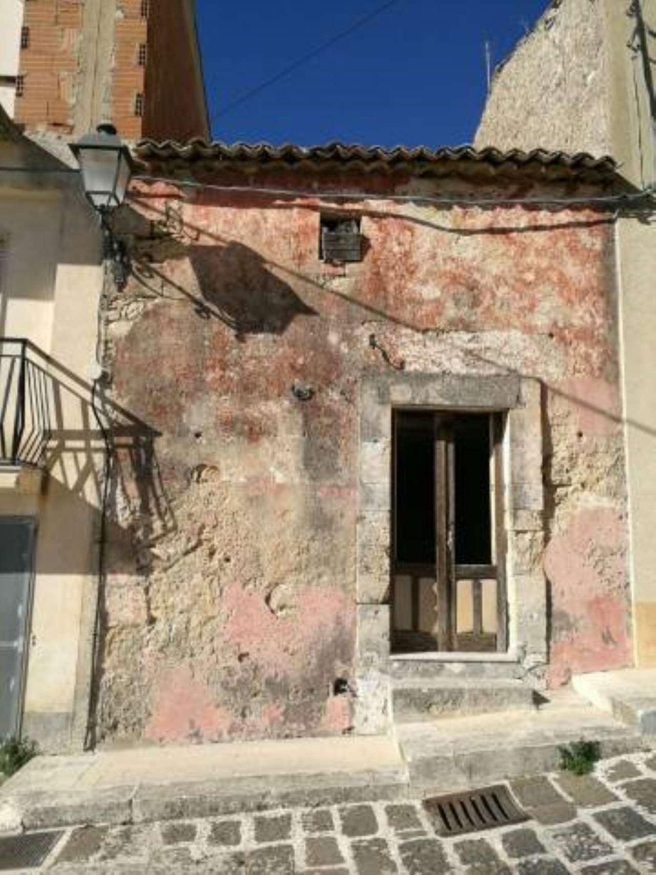 Casa Indipendente da ristrutturare in vendita Rif. 6685859