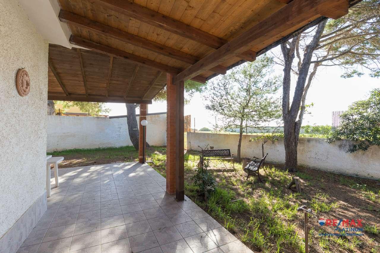 Villa in buone condizioni arredato in vendita Rif. 8939951