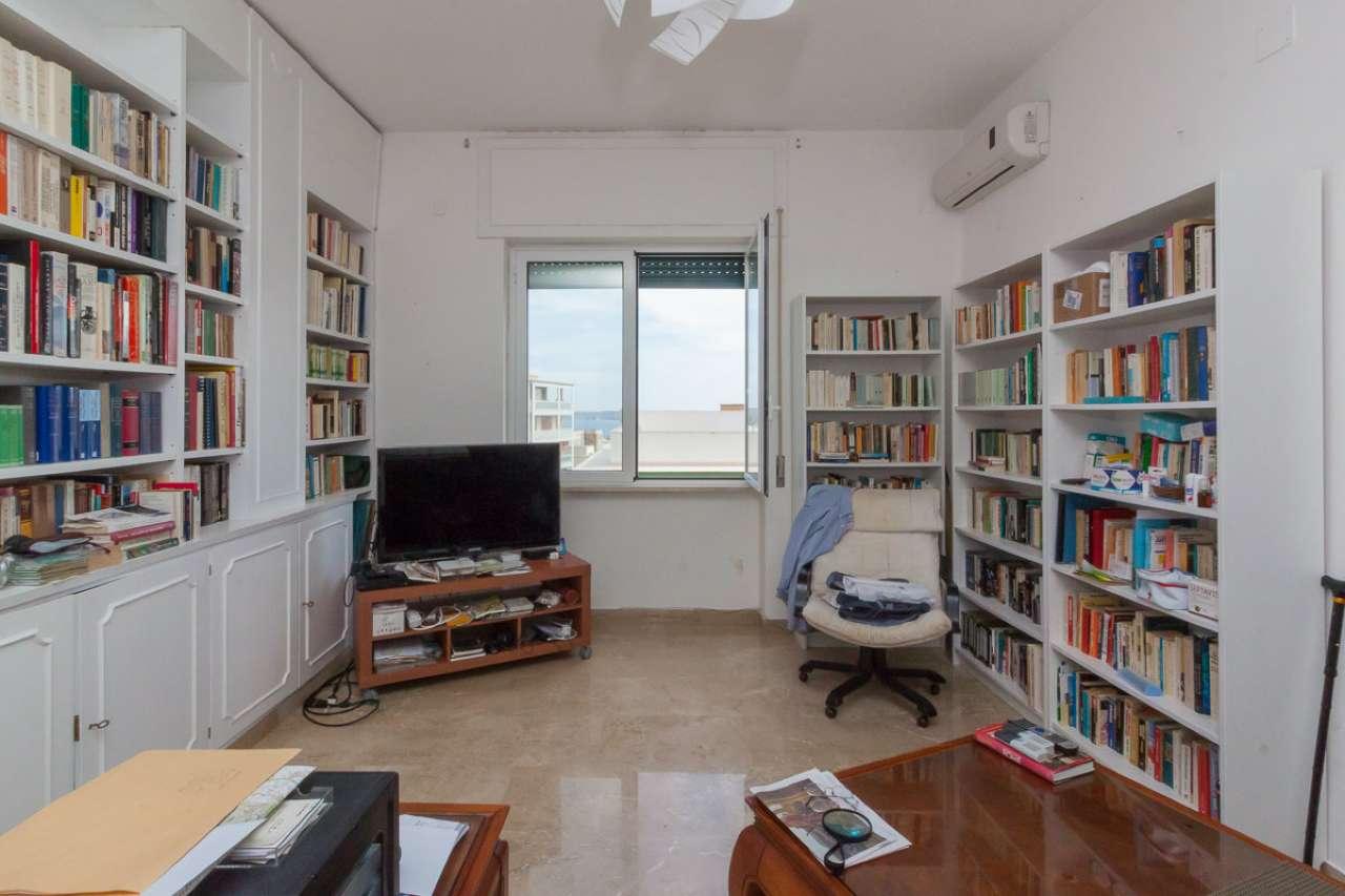 Appartamento in buone condizioni in vendita Rif. 8939954