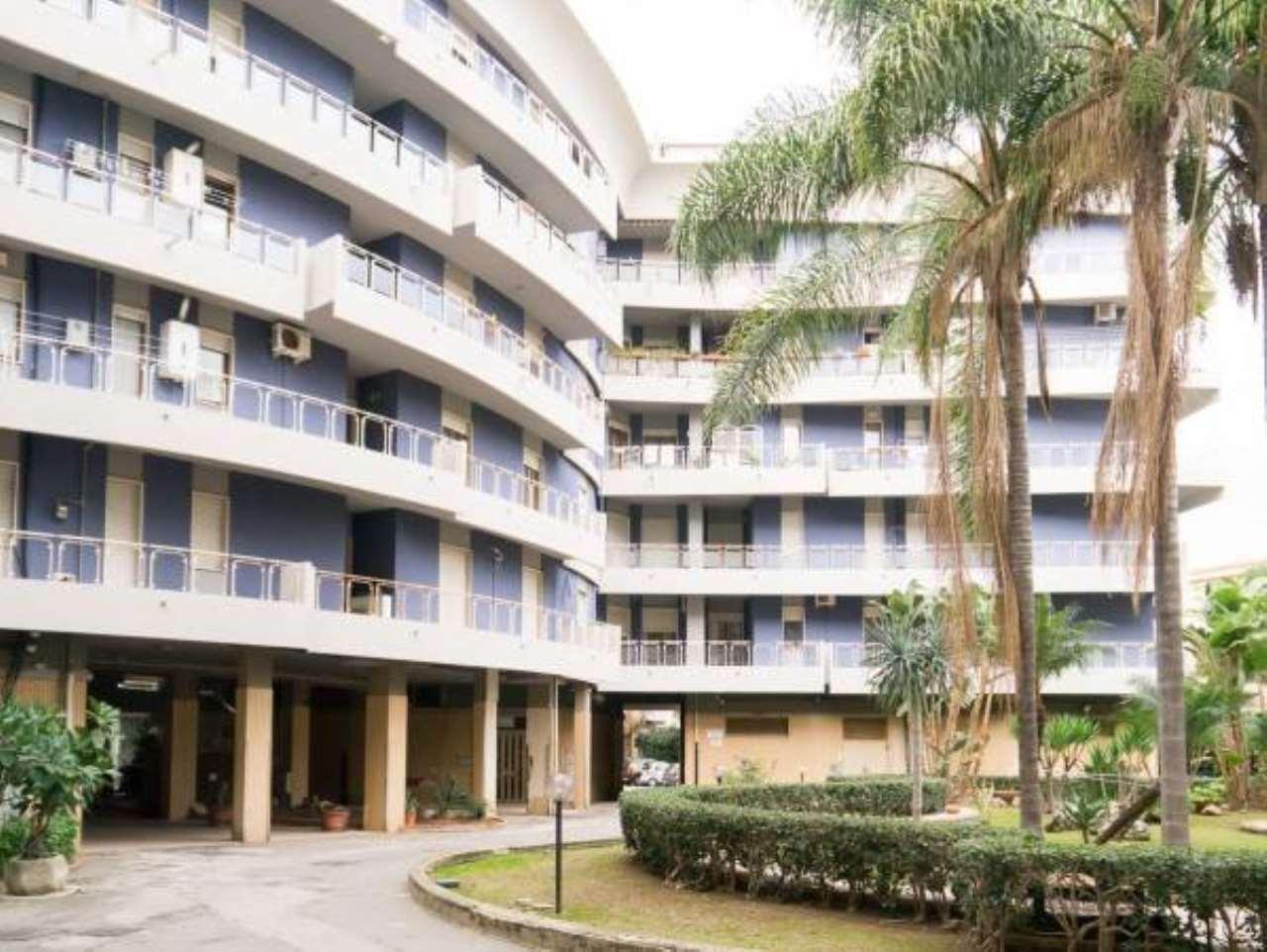 Appartamento in buone condizioni arredato in vendita Rif. 8939959