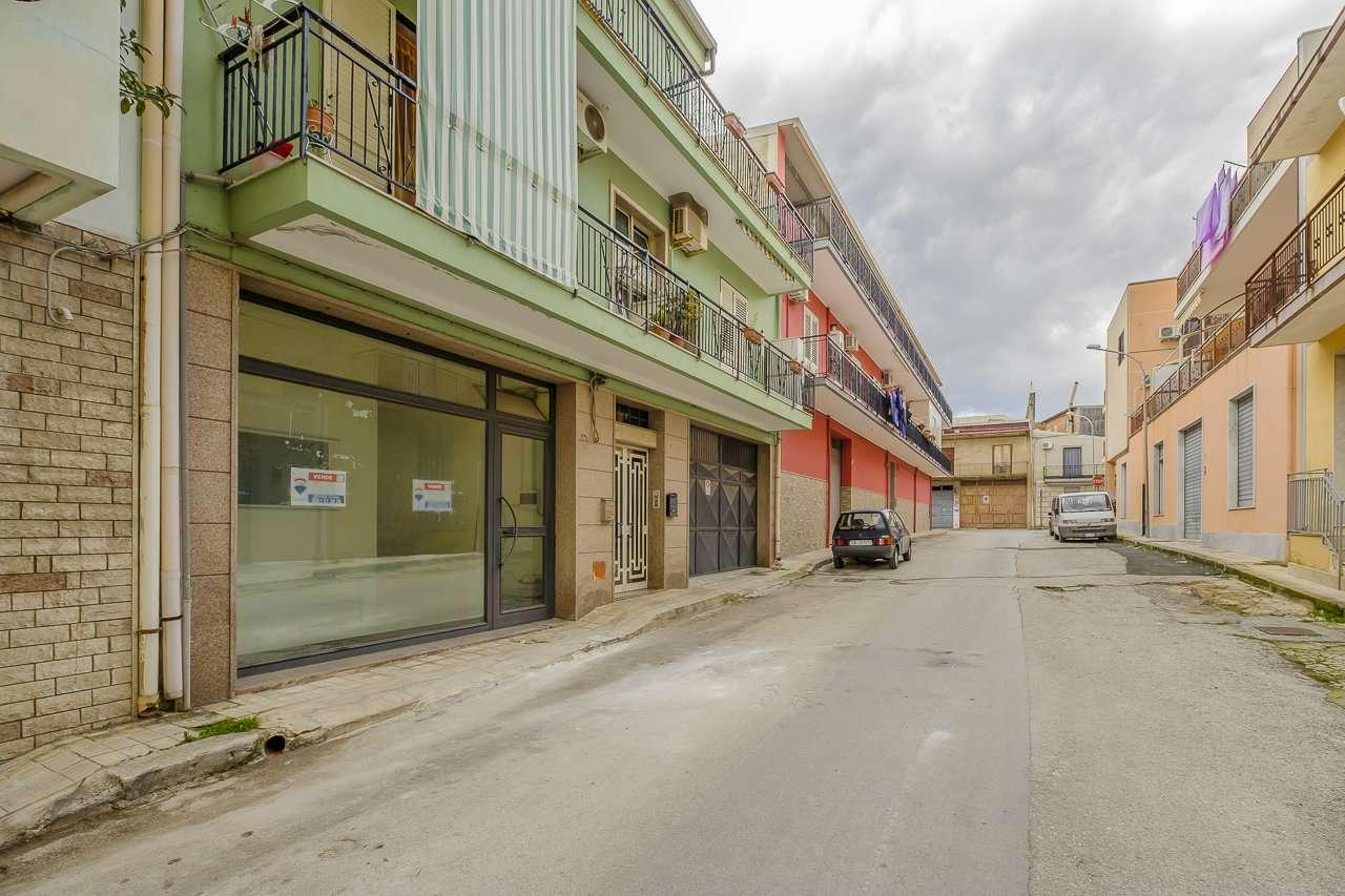 Negozio / Locale in vendita a Floridia, 9 locali, prezzo € 69.000 | PortaleAgenzieImmobiliari.it