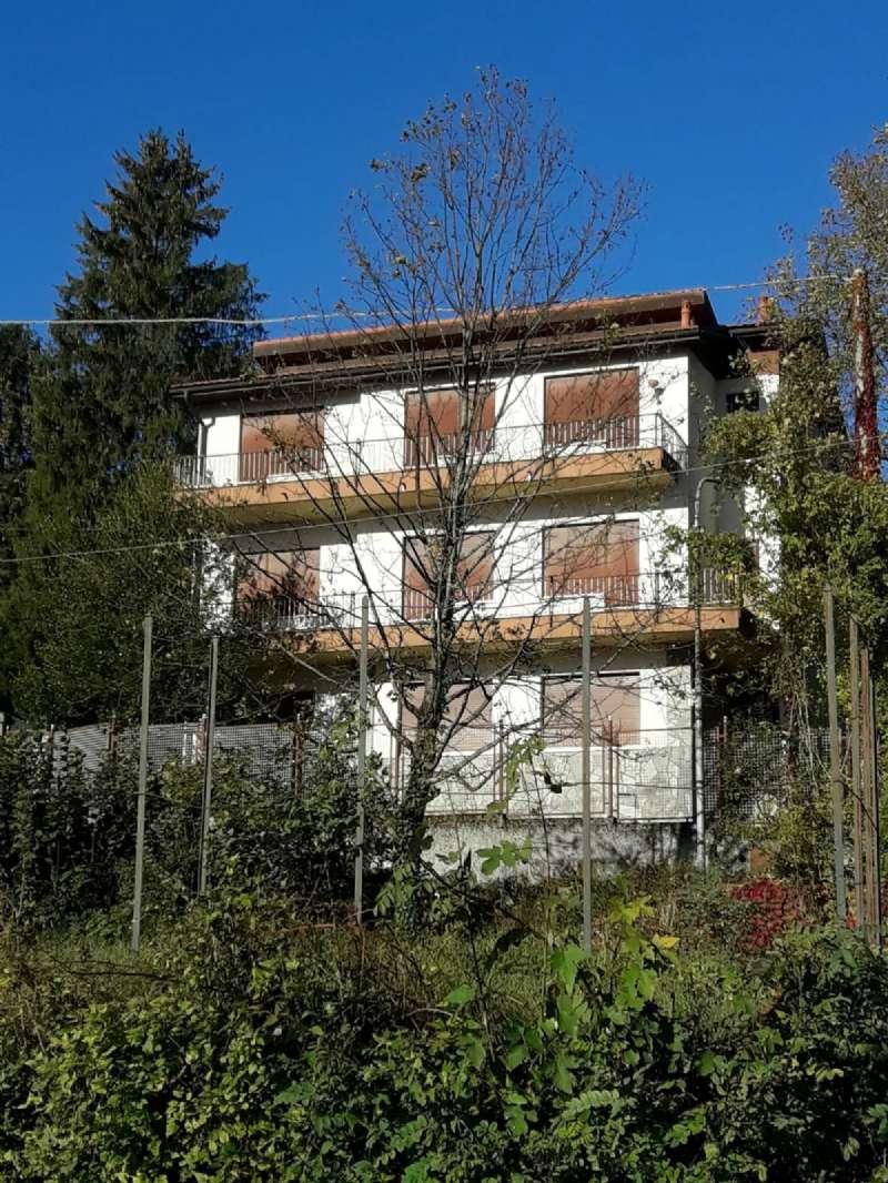 Villa Tri-Quadrifamiliare in vendita a Torriglia, 17 locali, prezzo € 320.000 | CambioCasa.it