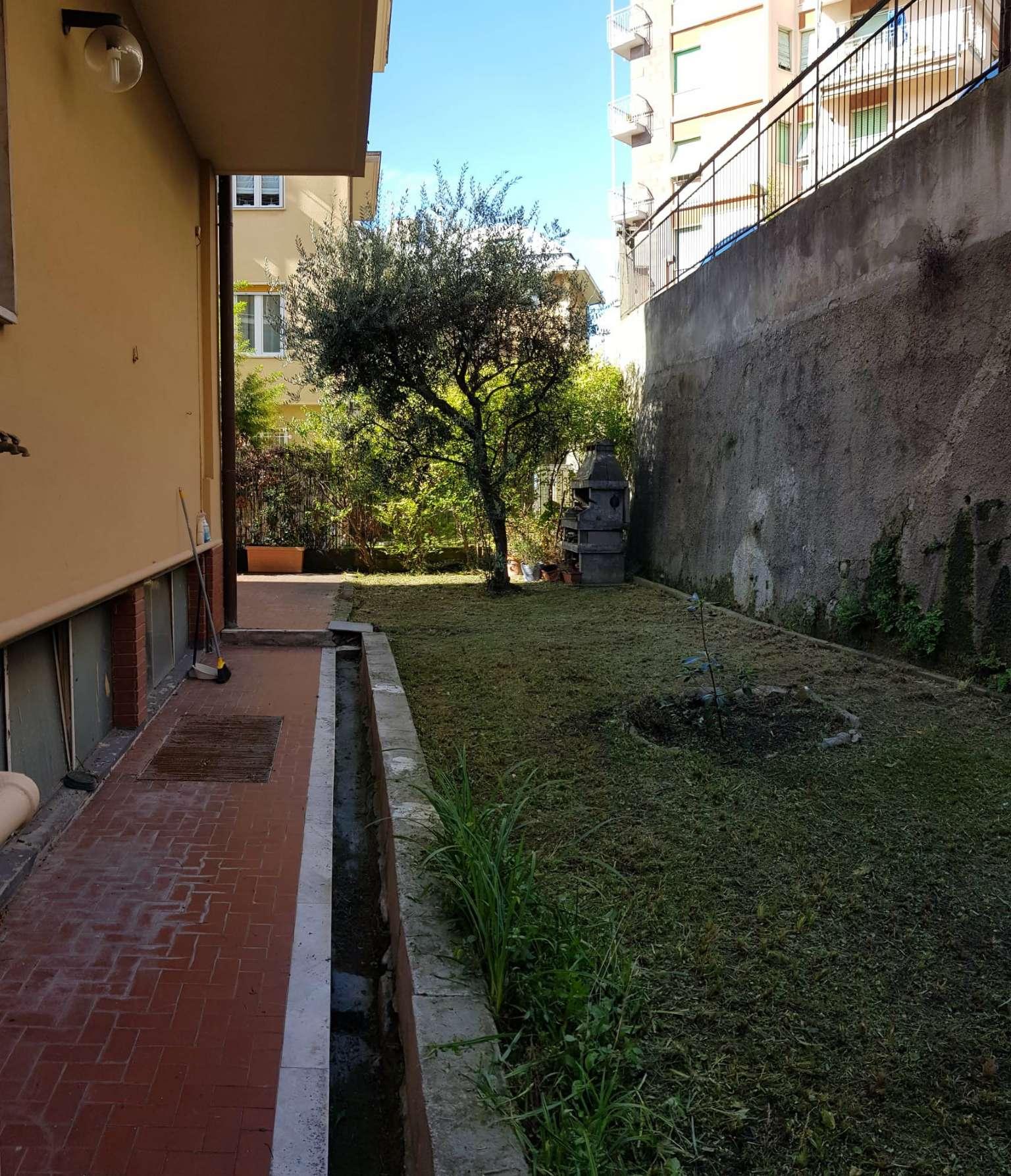 Appartamento in vendita a Genova, 6 locali, prezzo € 270.000 | PortaleAgenzieImmobiliari.it