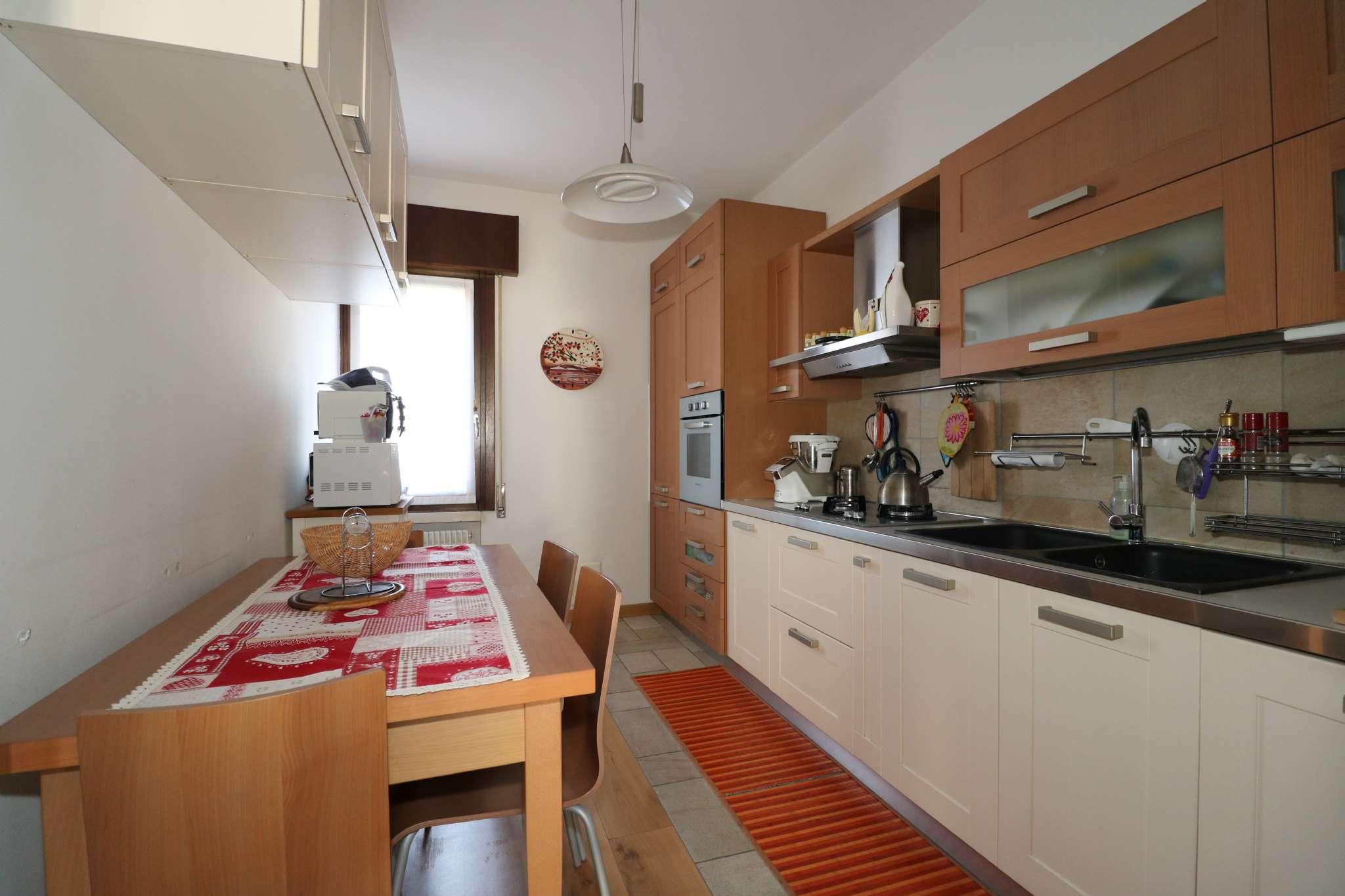 Appartamento ristrutturato parzialmente arredato in vendita Rif. 6542297
