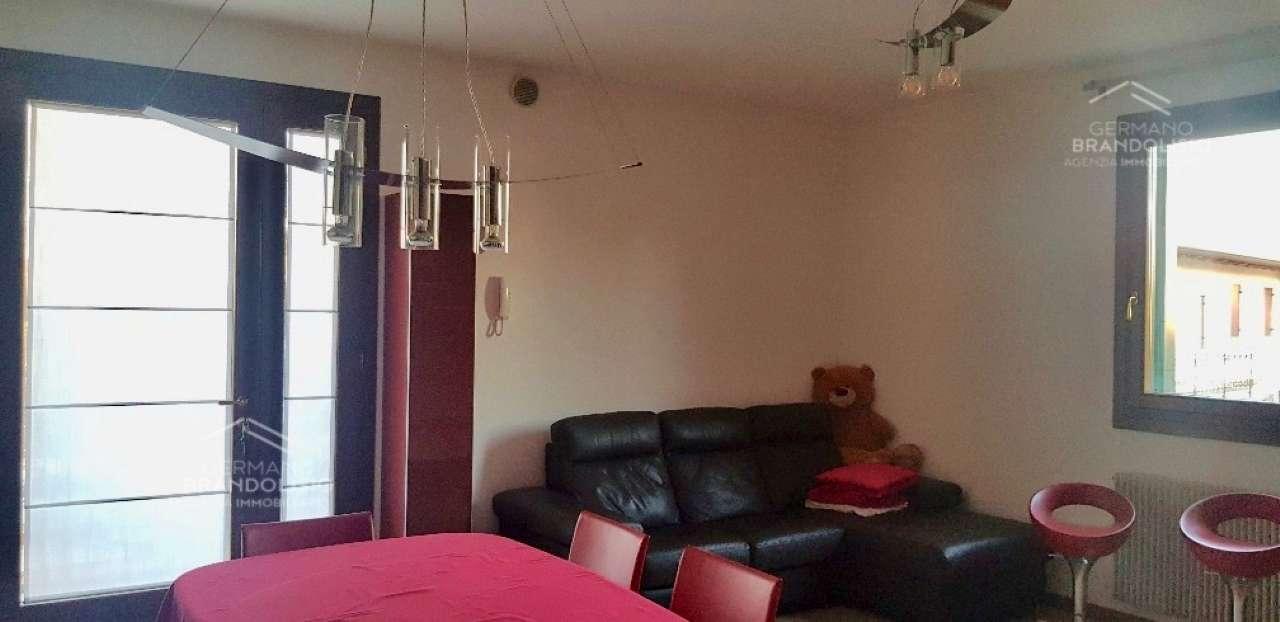 Appartamento in vendita a Treviso, 3 locali, prezzo € 160.000 | CambioCasa.it