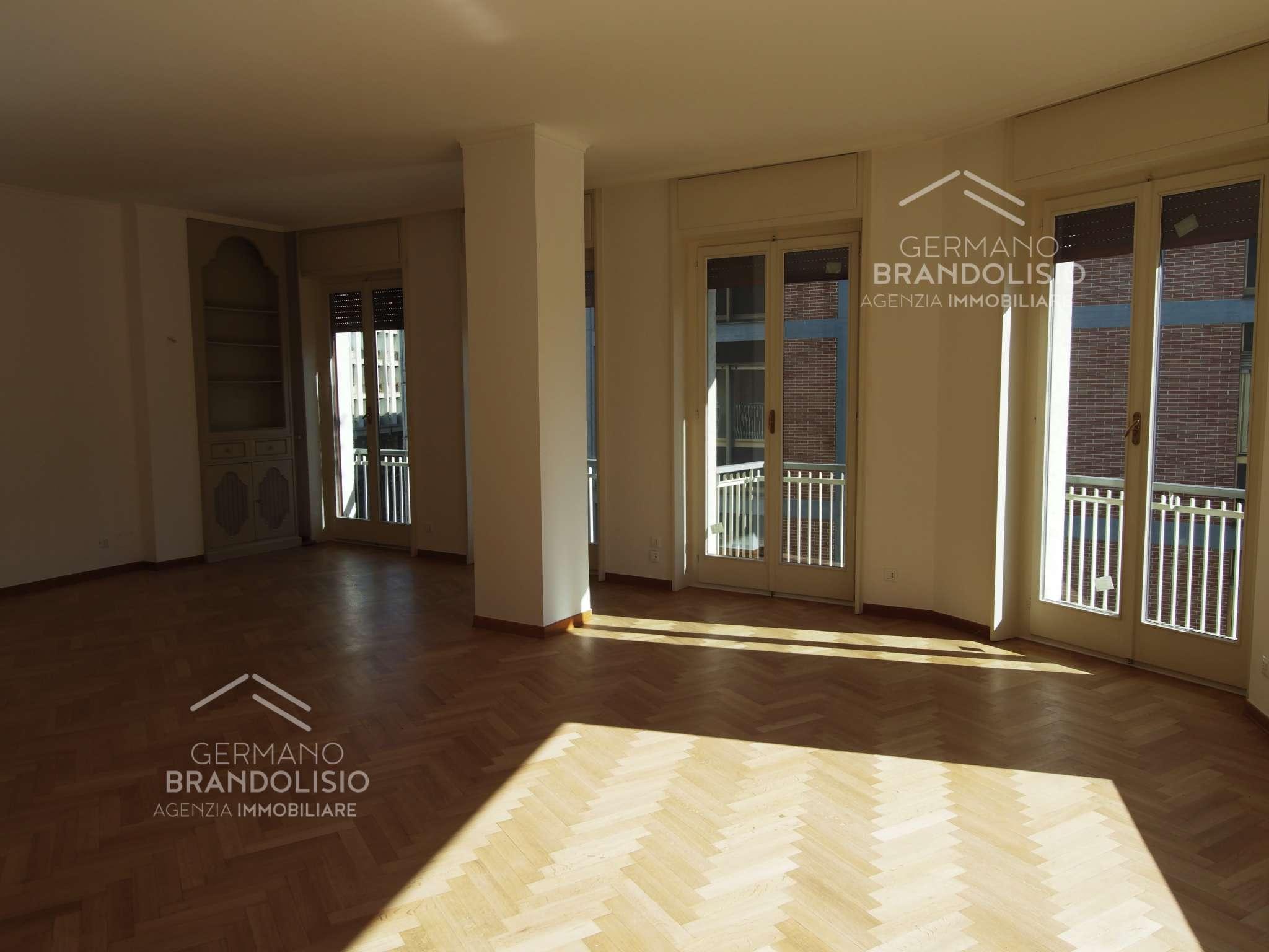 Appartamento in affitto a Treviso, 7 locali, prezzo € 2.500 | CambioCasa.it