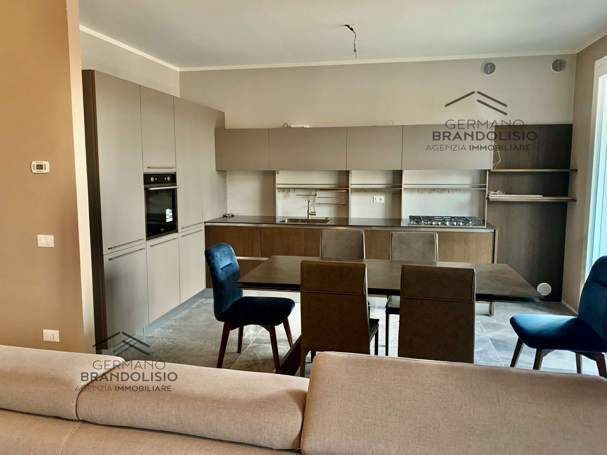 Appartamento in vendita a Treviso, 4 locali, prezzo € 295.000 | CambioCasa.it