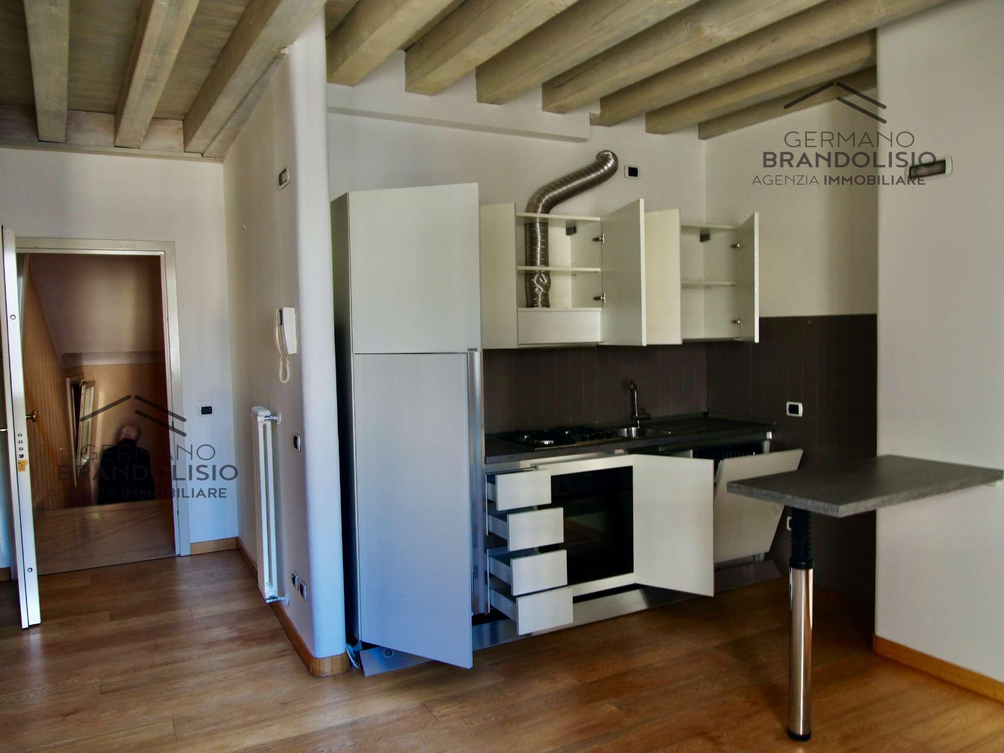 Appartamento in affitto a Treviso, 3 locali, prezzo € 900   CambioCasa.it