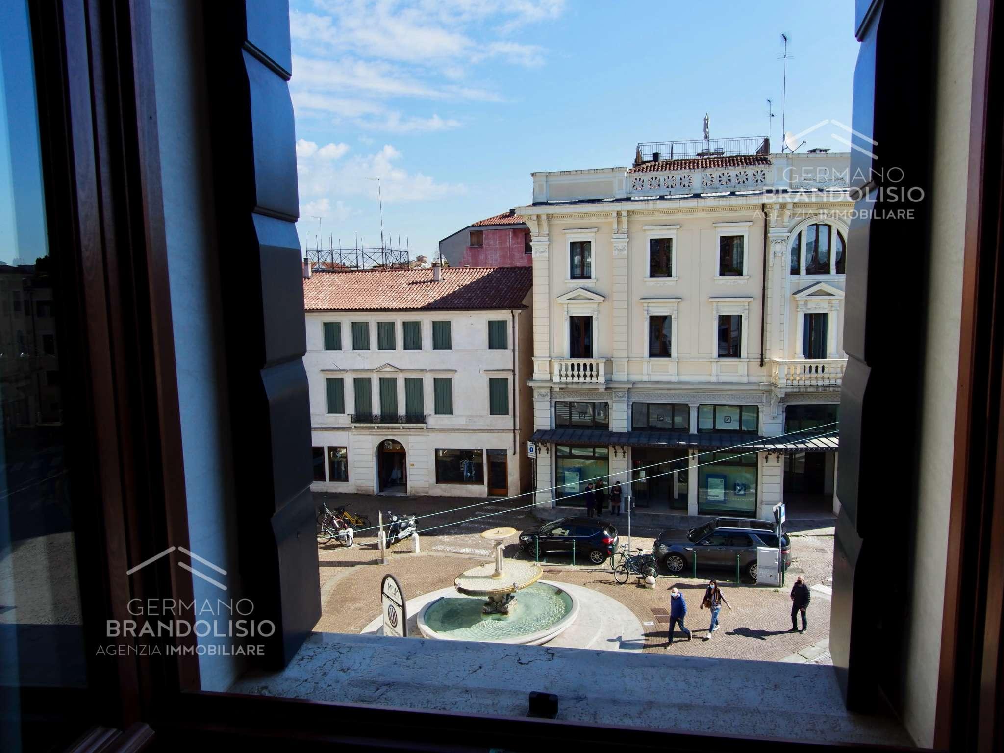 Appartamento in affitto a Treviso, 4 locali, prezzo € 1.200   CambioCasa.it