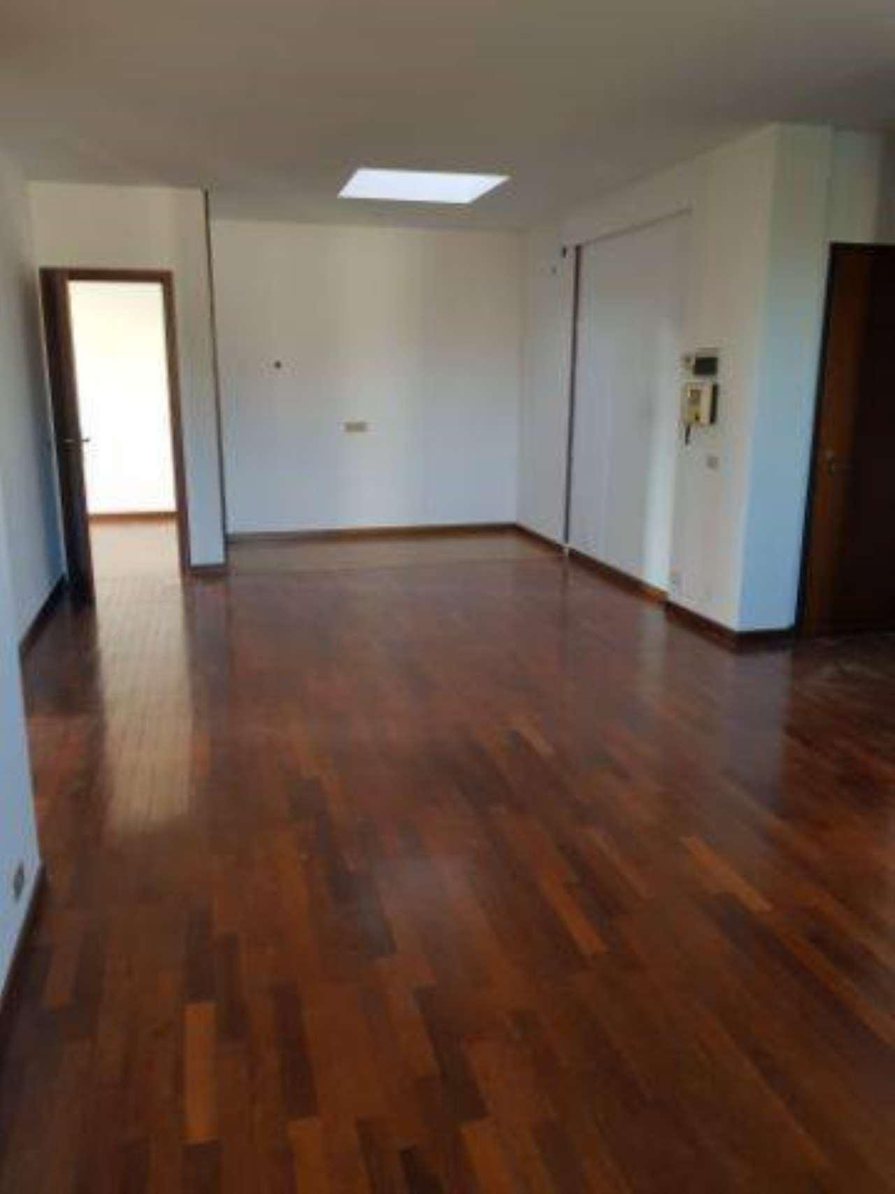 Appartamento in buone condizioni in vendita Rif. 6777393