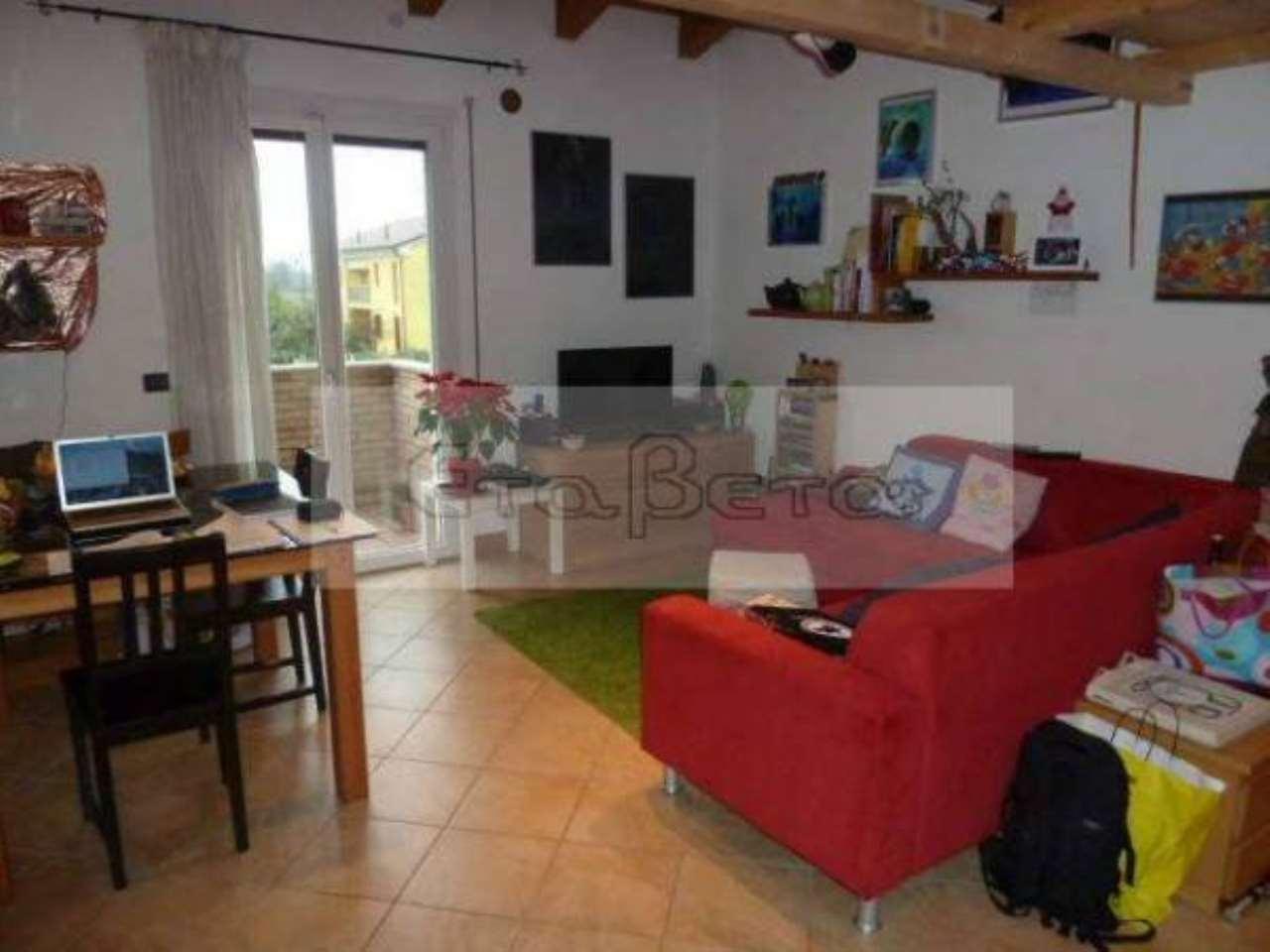 Appartamento in ottime condizioni in vendita Rif. 7785612