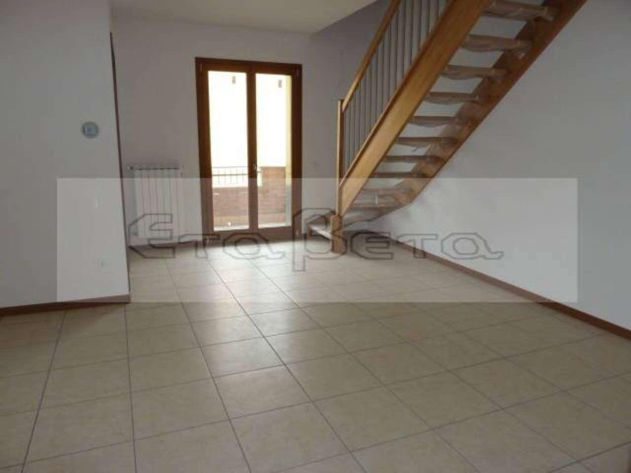 Appartamento in ottime condizioni in vendita Rif. 6817549