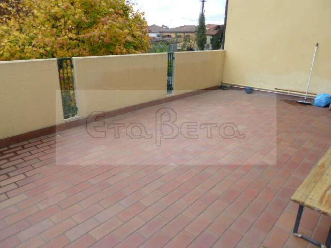 Appartamento in buone condizioni arredato in vendita Rif. 6882170