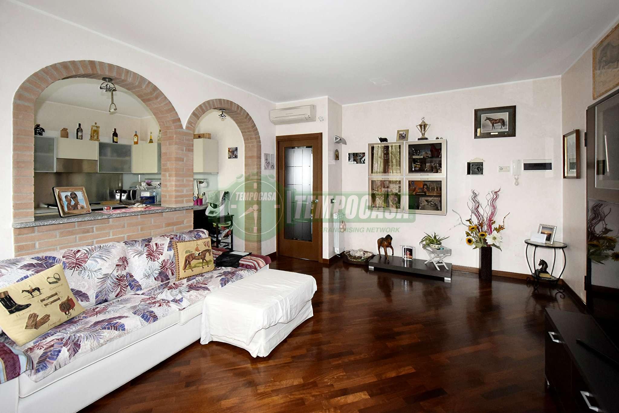 Appartamento in vendita a Settimo Milanese, 3 locali, prezzo € 210.000 | CambioCasa.it