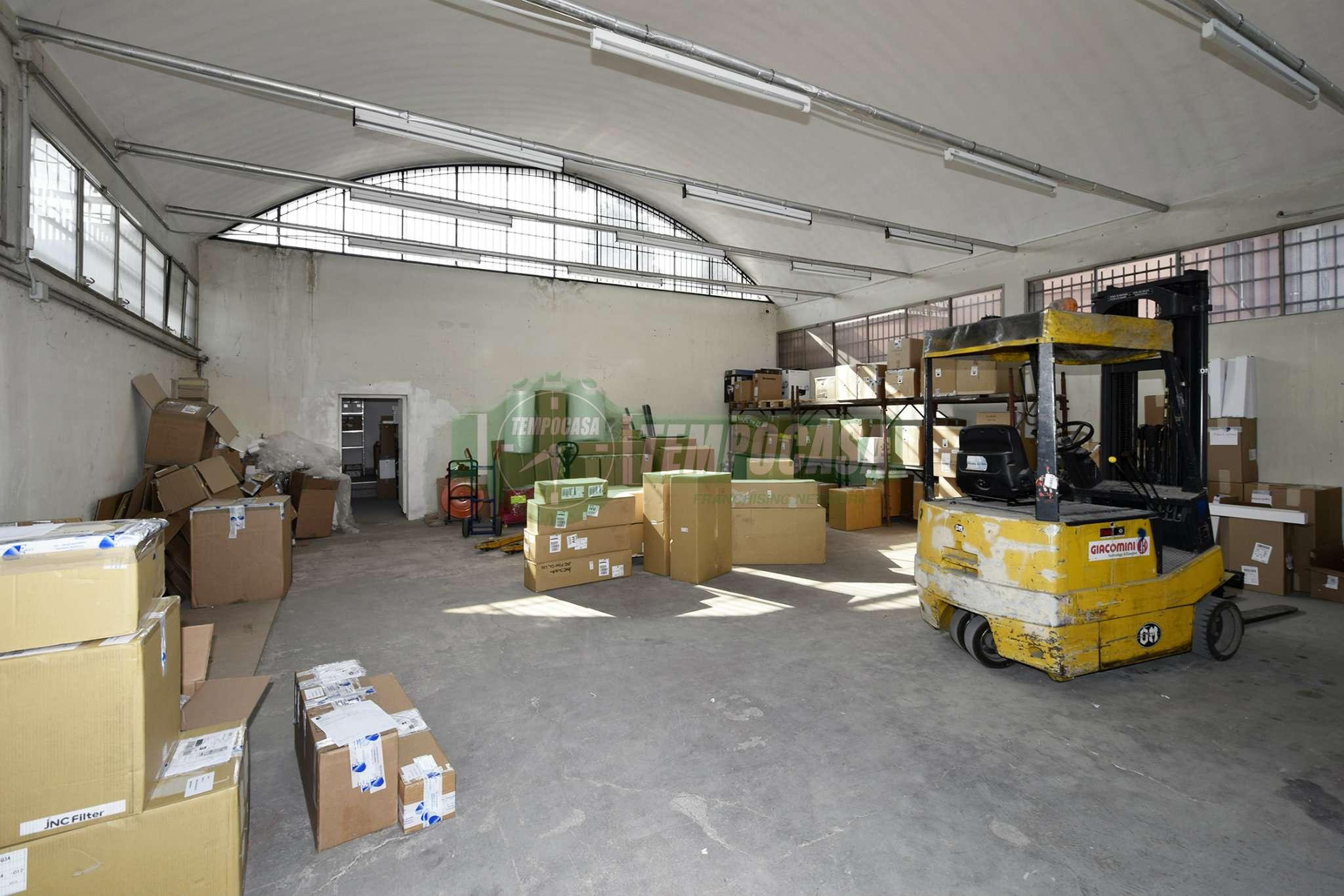 Laboratorio in vendita a Settimo Milanese, 2 locali, prezzo € 140.000 | CambioCasa.it