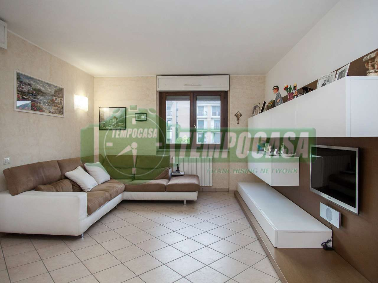 Appartamento in ottime condizioni parzialmente arredato in vendita Rif. 7245820