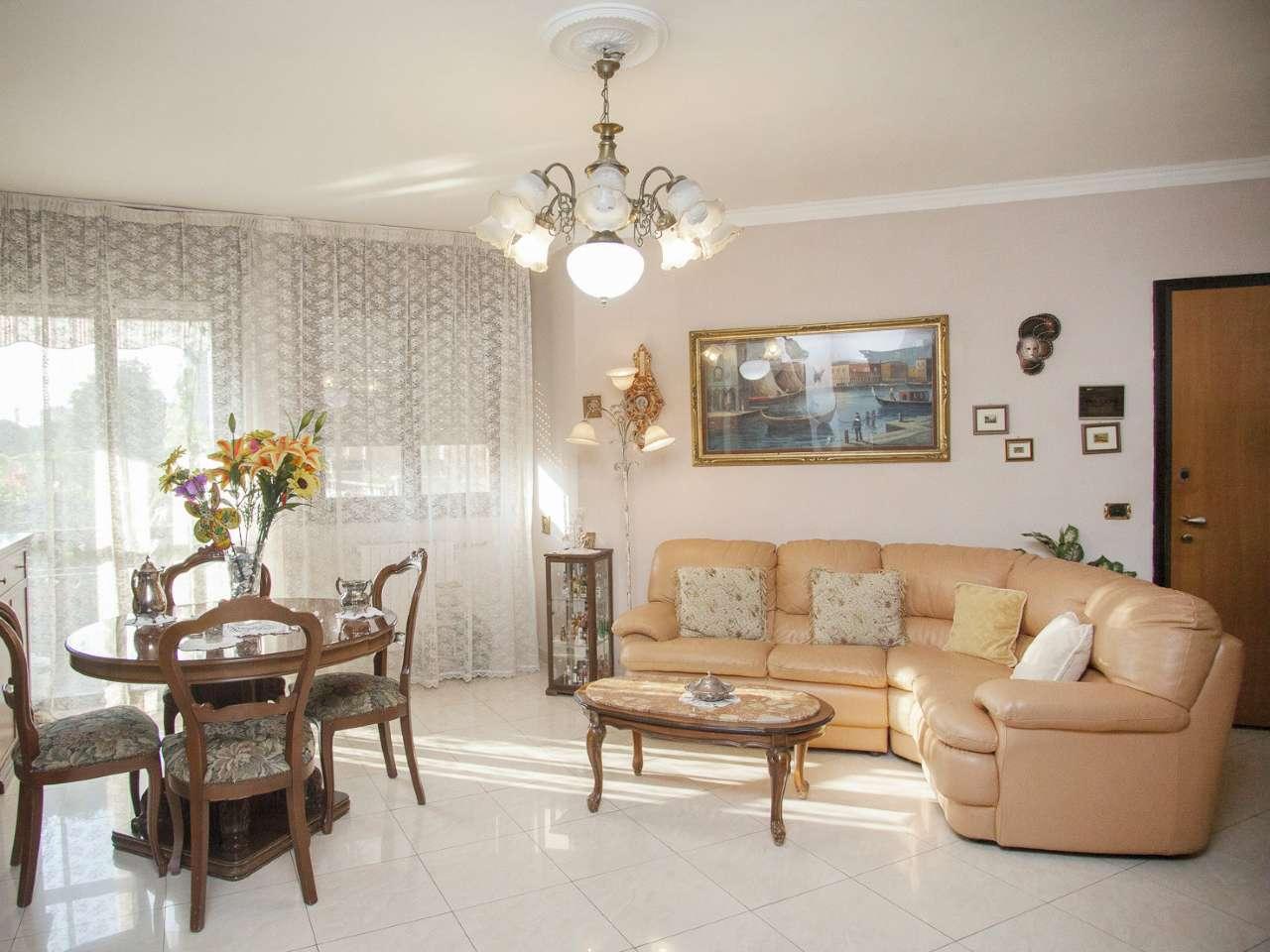 Appartamento in ottime condizioni in vendita Rif. 7339330